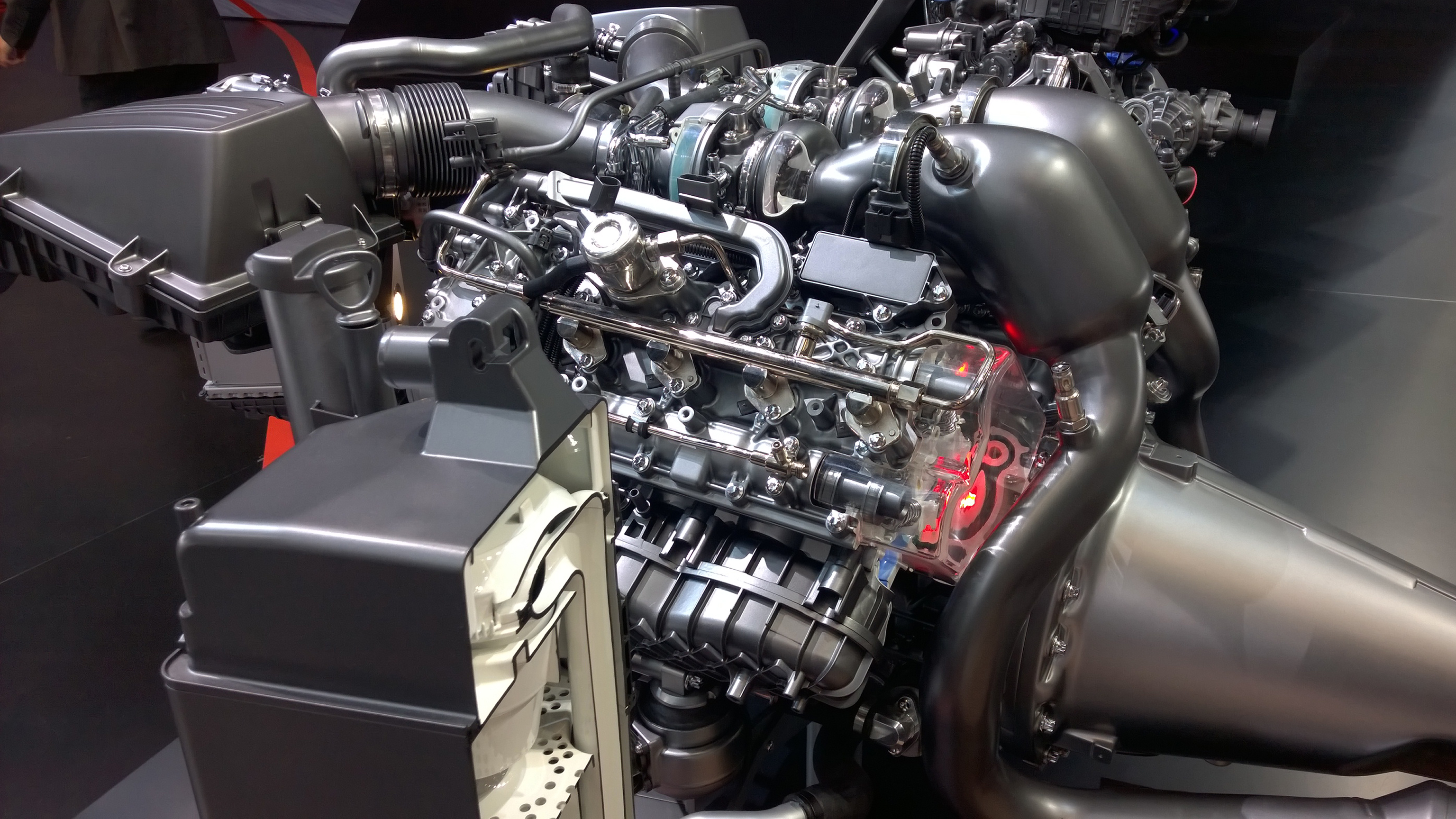 Moteur M178 - Mercedes-AMG GT - Paris 2014 - DESIGNMOTEUR
