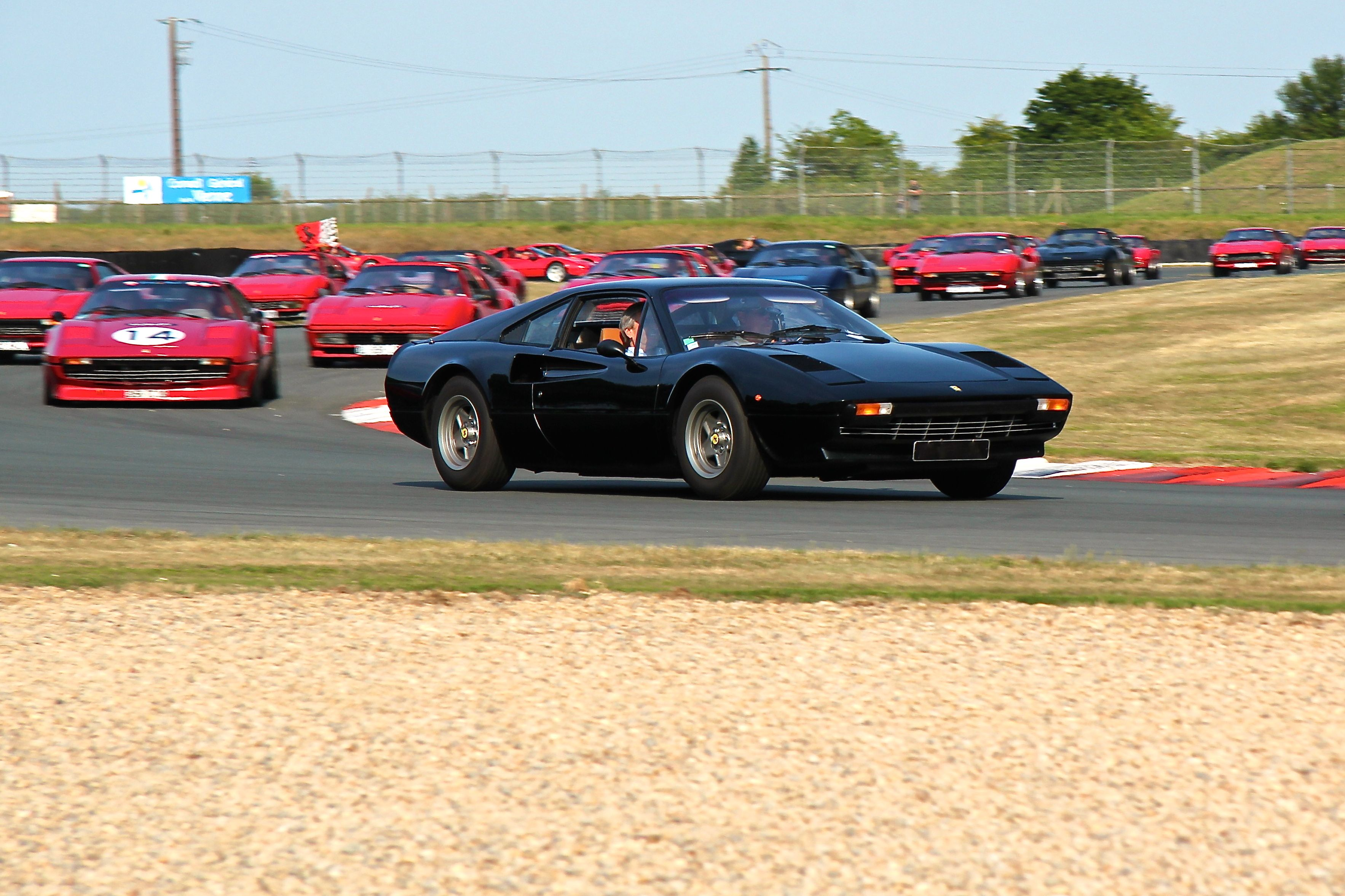 Parade Ferrari 308/328 - Sport et Collection 2015 - Photographie Ludo