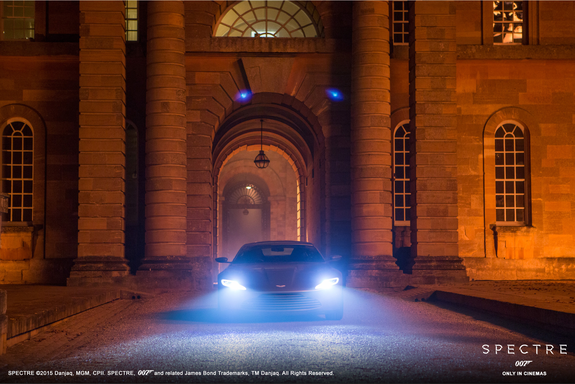 Aston Martin DB10 - Spectre 2015 - face avant / front