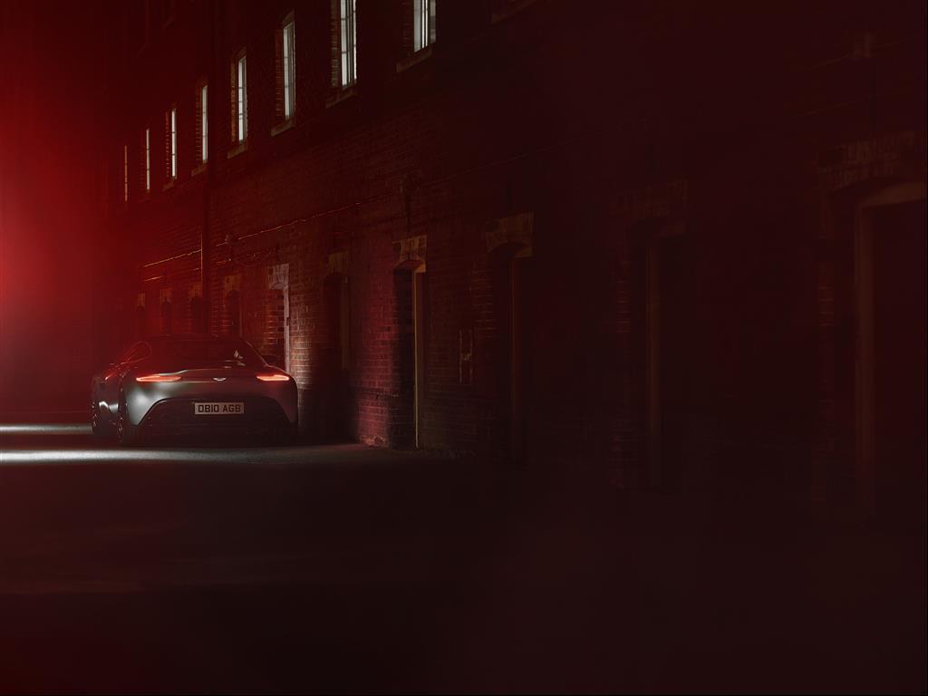 Aston Martin DB10 - Spectre 2015 - arrière / rear