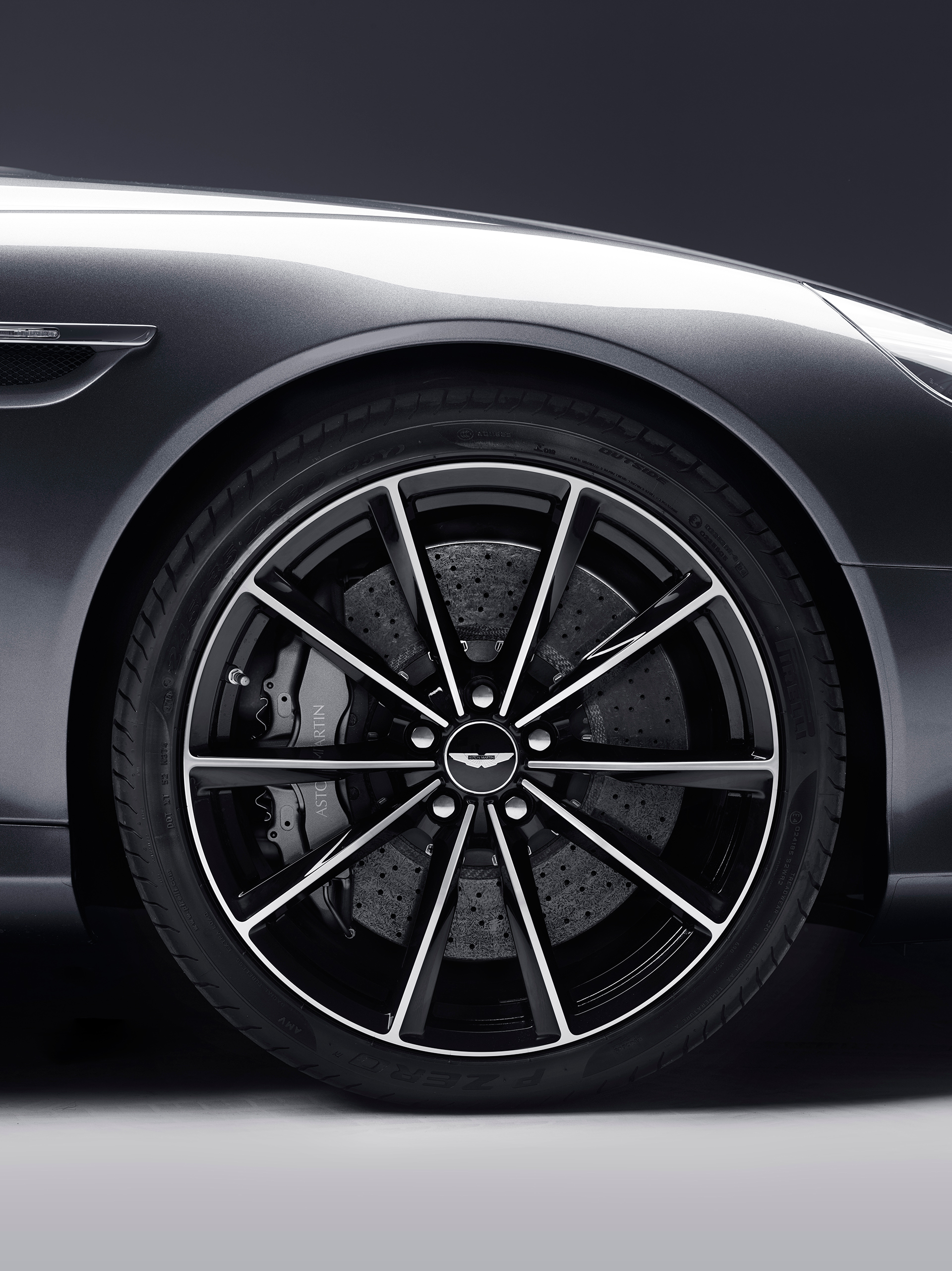 Aston Martin DB9 GT - 2015 - jante / wheel