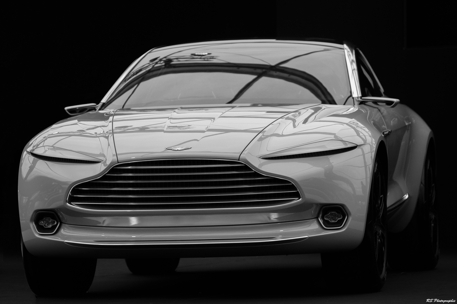 Aston Martin DBX Concept - Exposition Concept cars 2016 - Arnaud Demasier RS Photographie