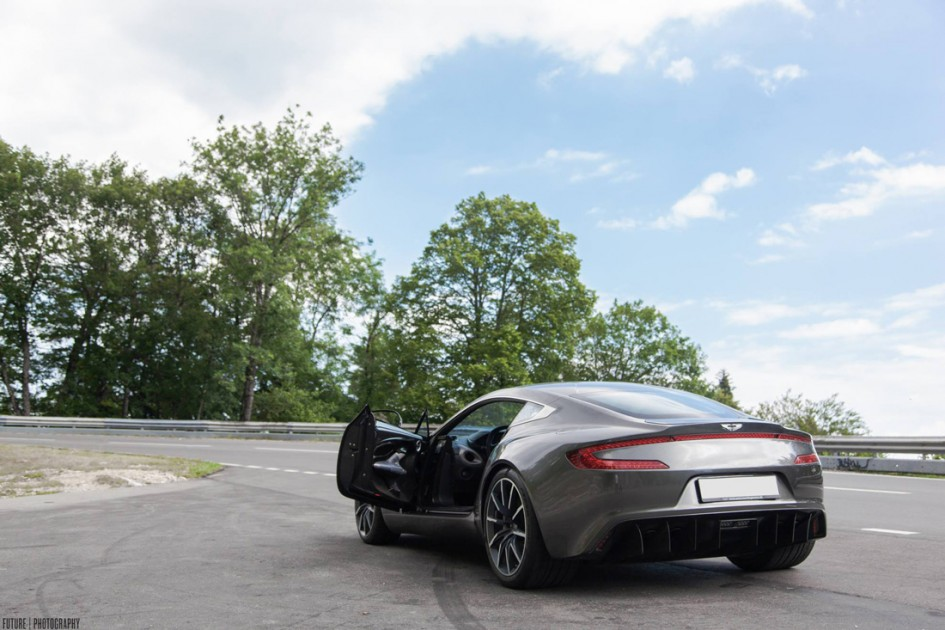 Aston Martin One 77 - Arrière - Future Photography