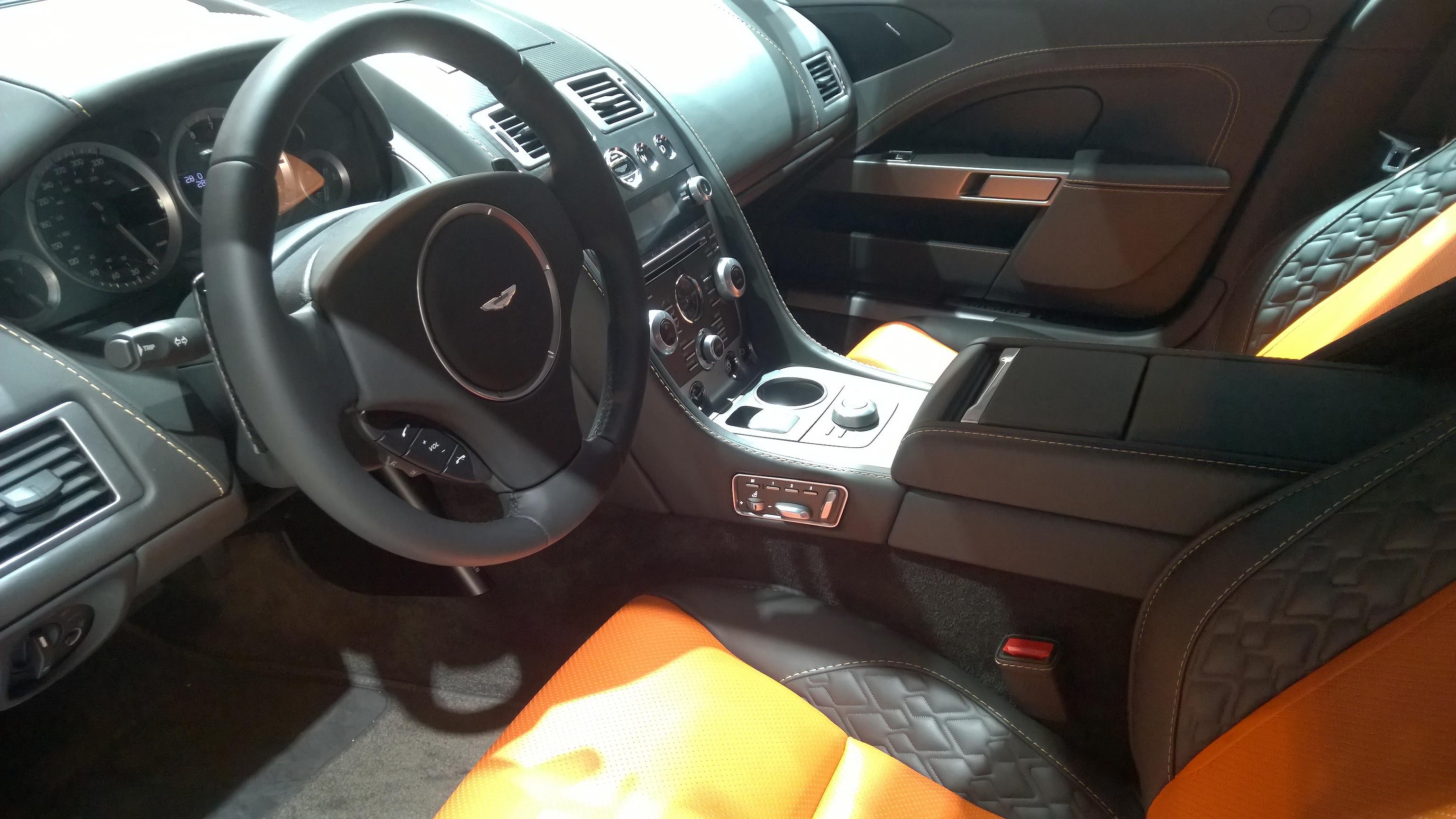 Aston Martin Rapide S - intérieur - Paris 2014 - DESIGNMOTEUR