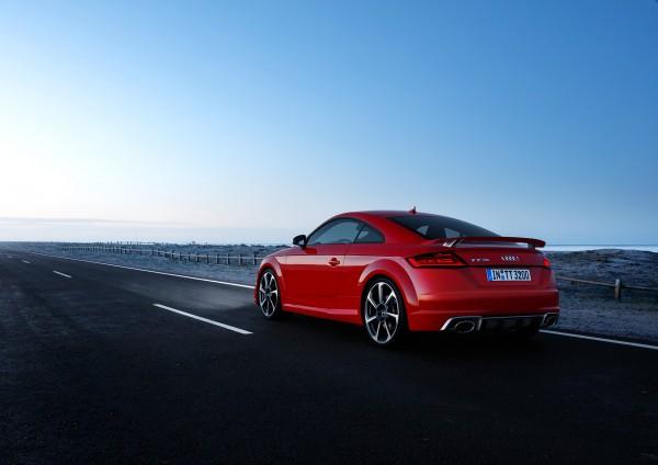 Audi TT RS coupe - 2016 - rear side-face / profil arrière