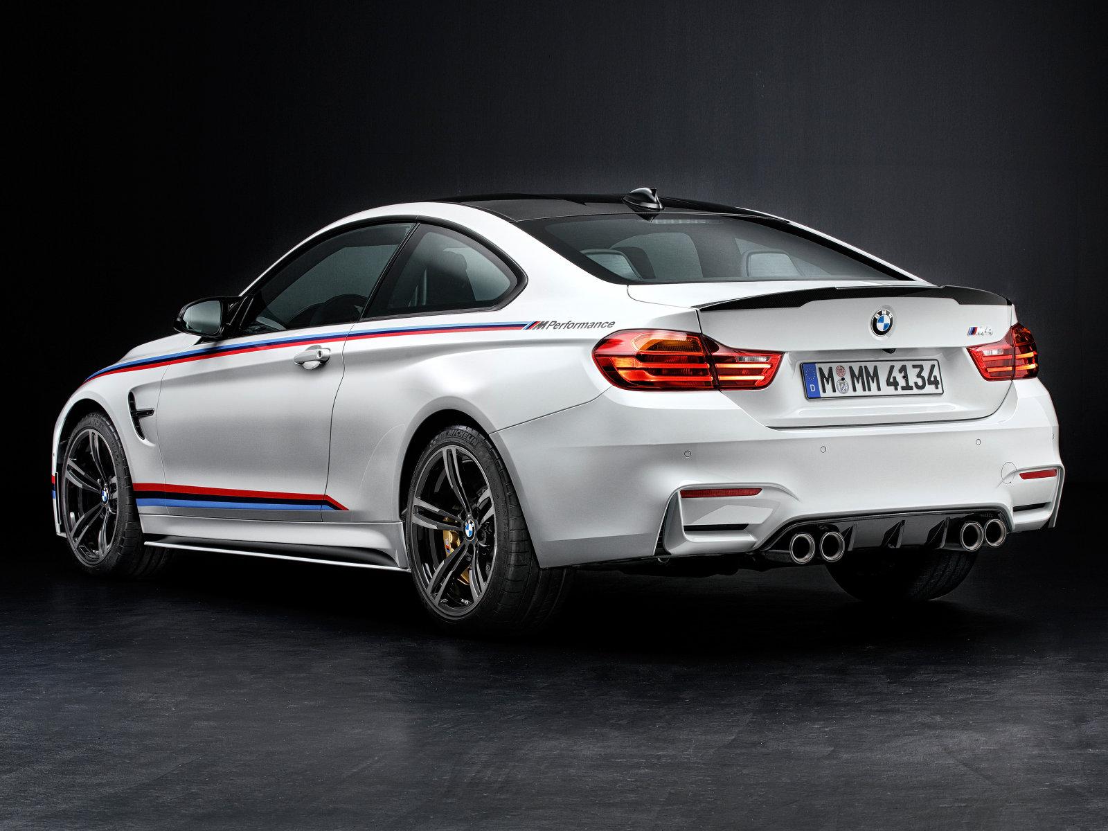BMW M4 Coupe Performance - arrière