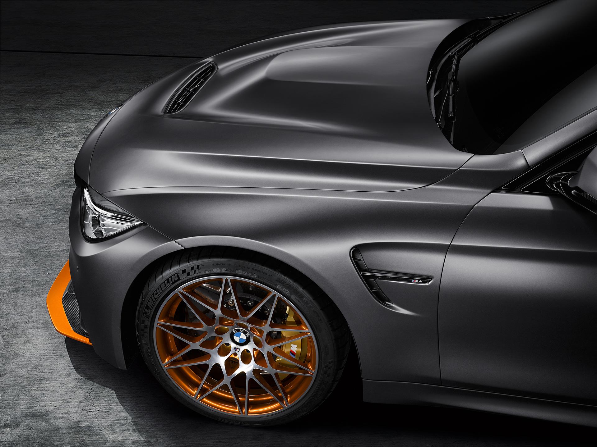 BMW M4 GTS - capot / hood