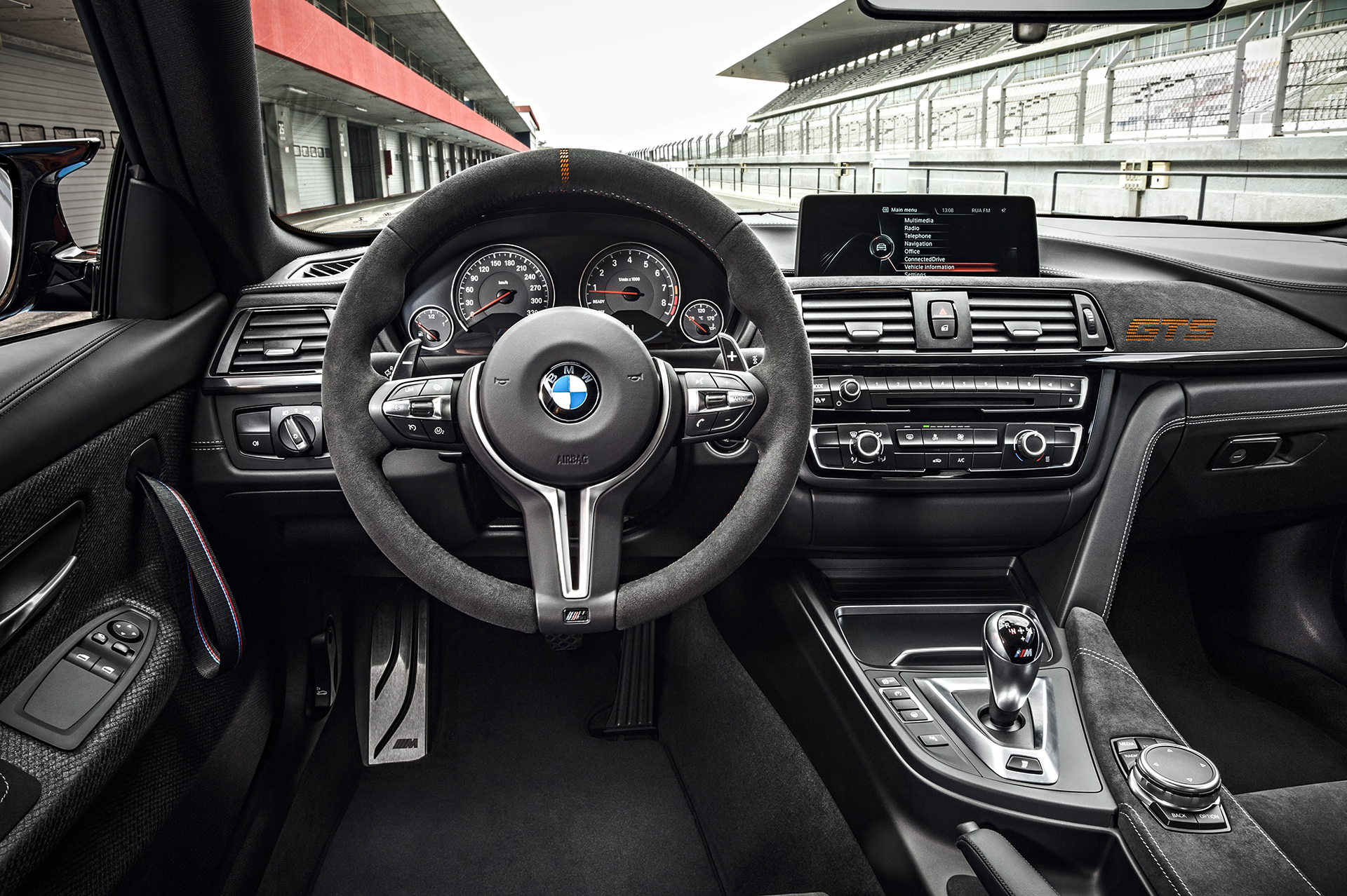 BMW M4 GTS - volant / racing wheel