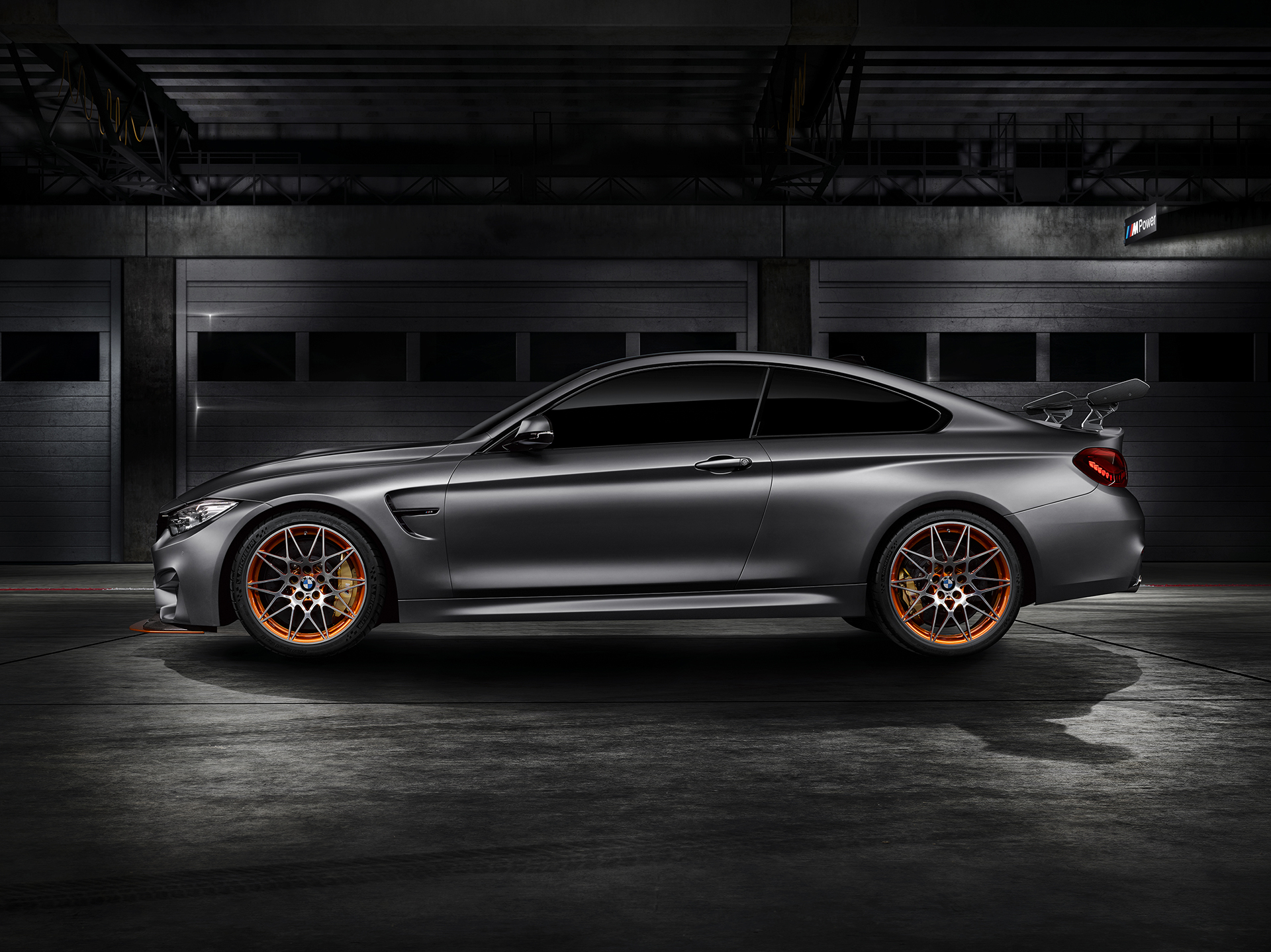 BMW M4 GTS - profil / side-face