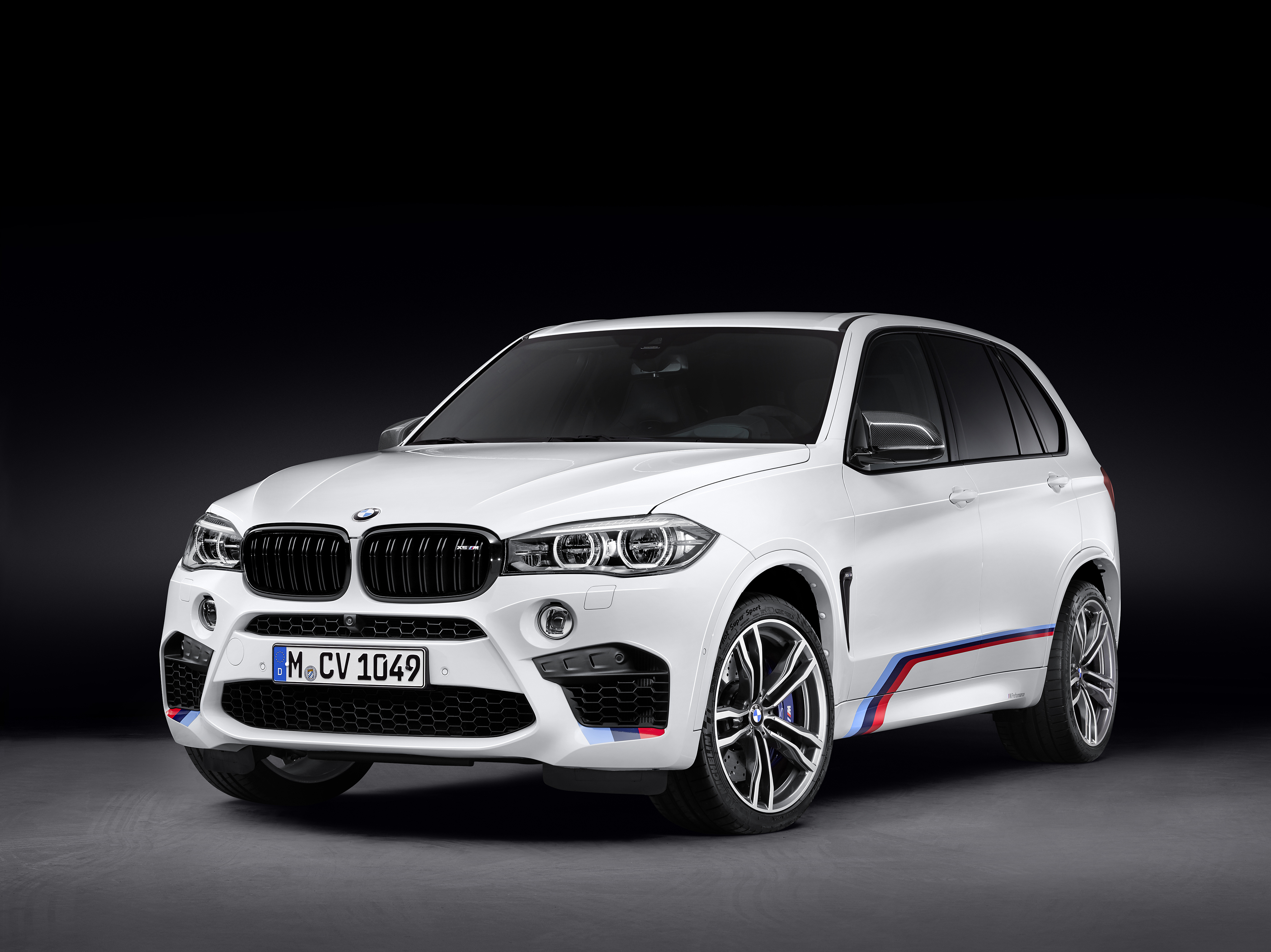BMW X5 M - profil avant