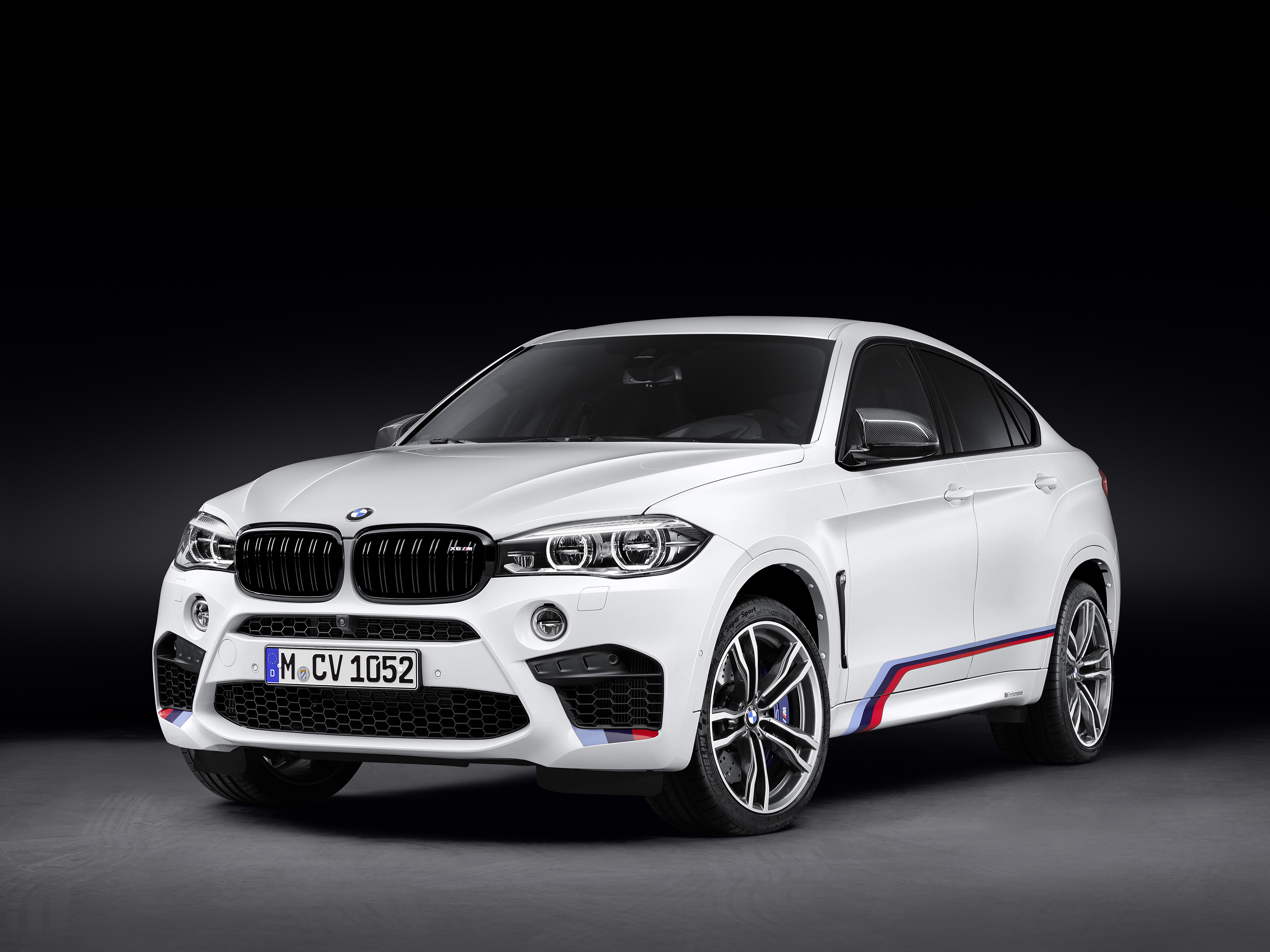 BMW X6 M - profil avant