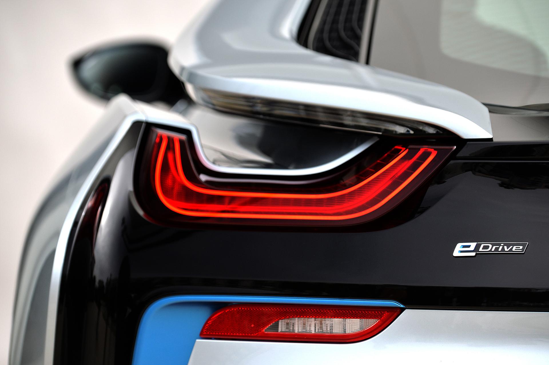 BMW i8 - rear light / optique arrière