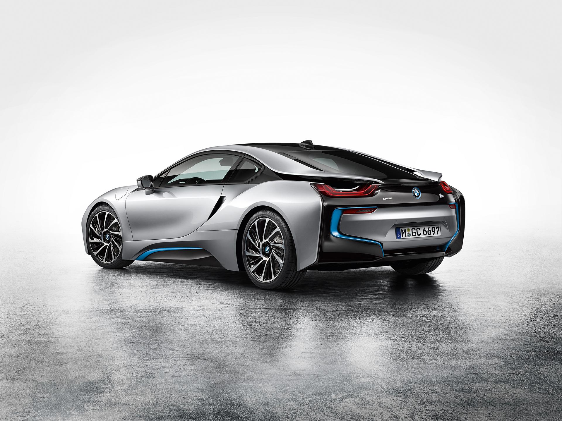 BMW i8 - rear side-face / profil arrière