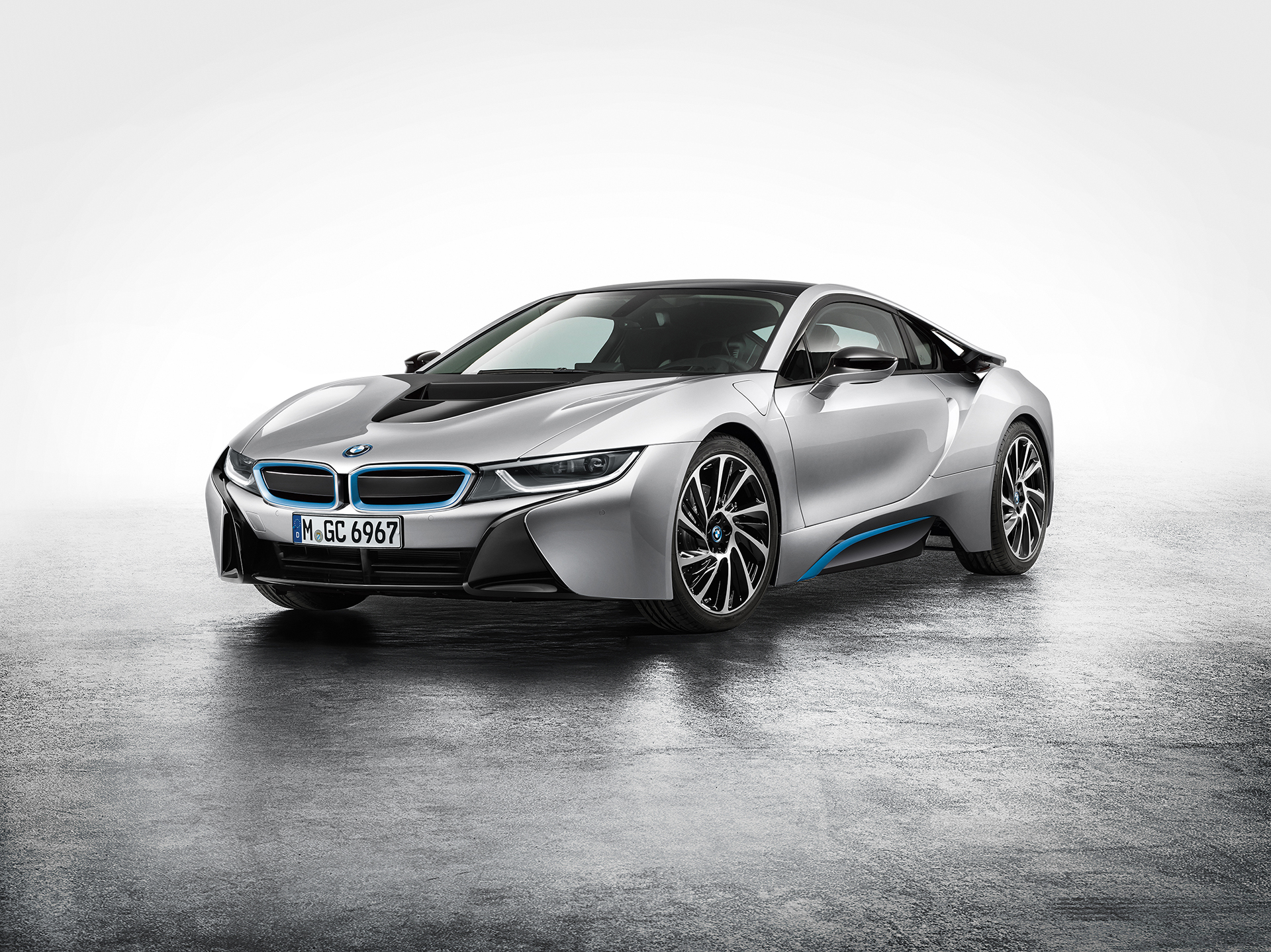 BMW i8 - front side-face / profil avant