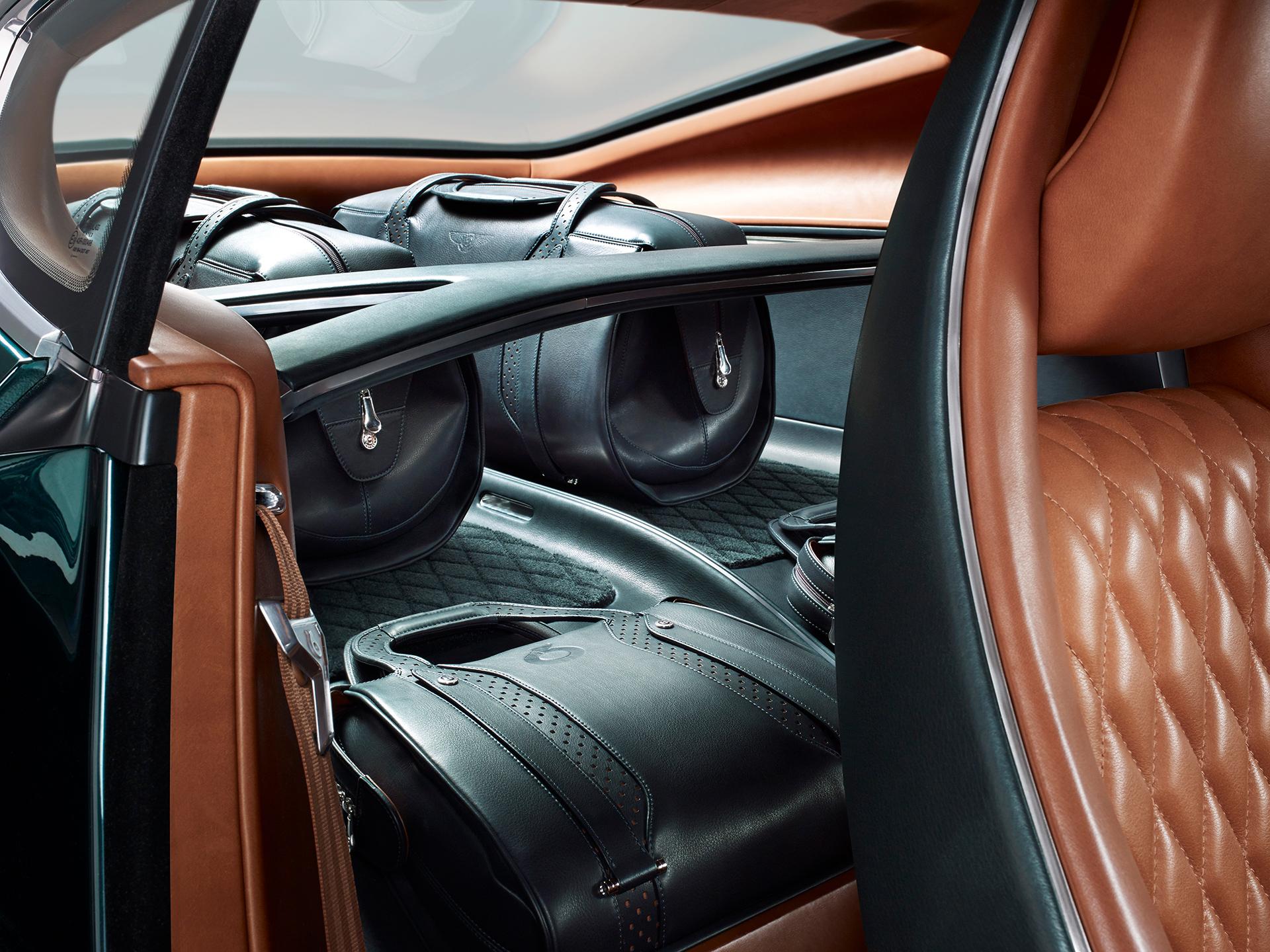 Bentley EXP 10 Speed 6 - intérieur arrière
