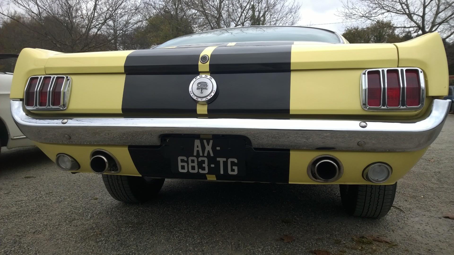 DM - photo - 1960s Mustang - arriere / rear - Ouest Motors Festival 2015 Lorient