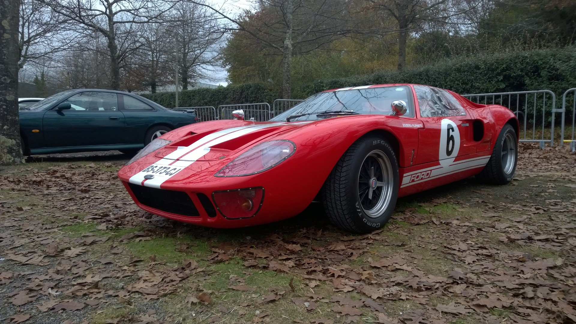 DM - photo - Ford GT40 - profil avant / front side-face - Ouest Motors Festival 2015 Lorient