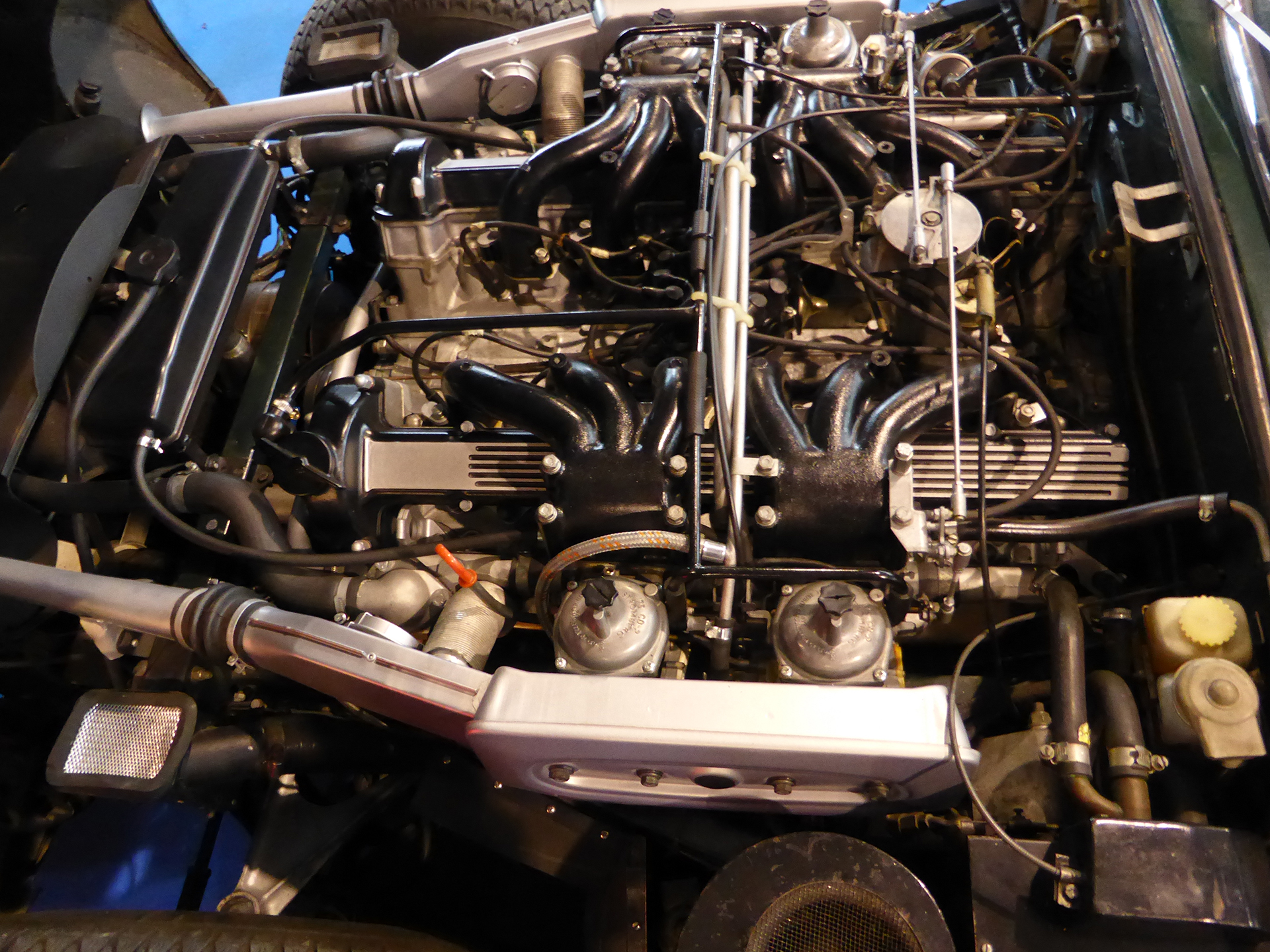DM - photo - Jaguar E Type - engine / moteur - Ouest Motors Festival 2015
