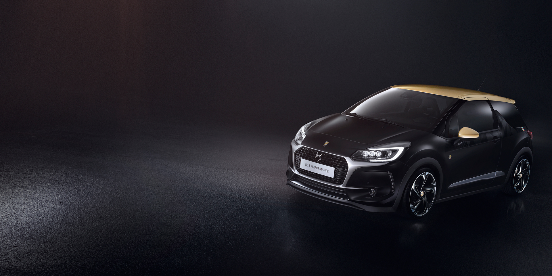 DS Automobiles - 2016 - DS 3 Performance - profil avant / front side-face
