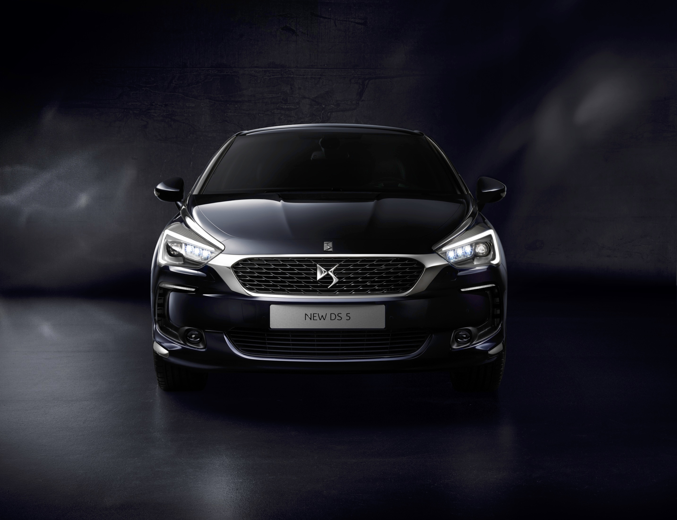 DS 5 face avant - DS Automobiles