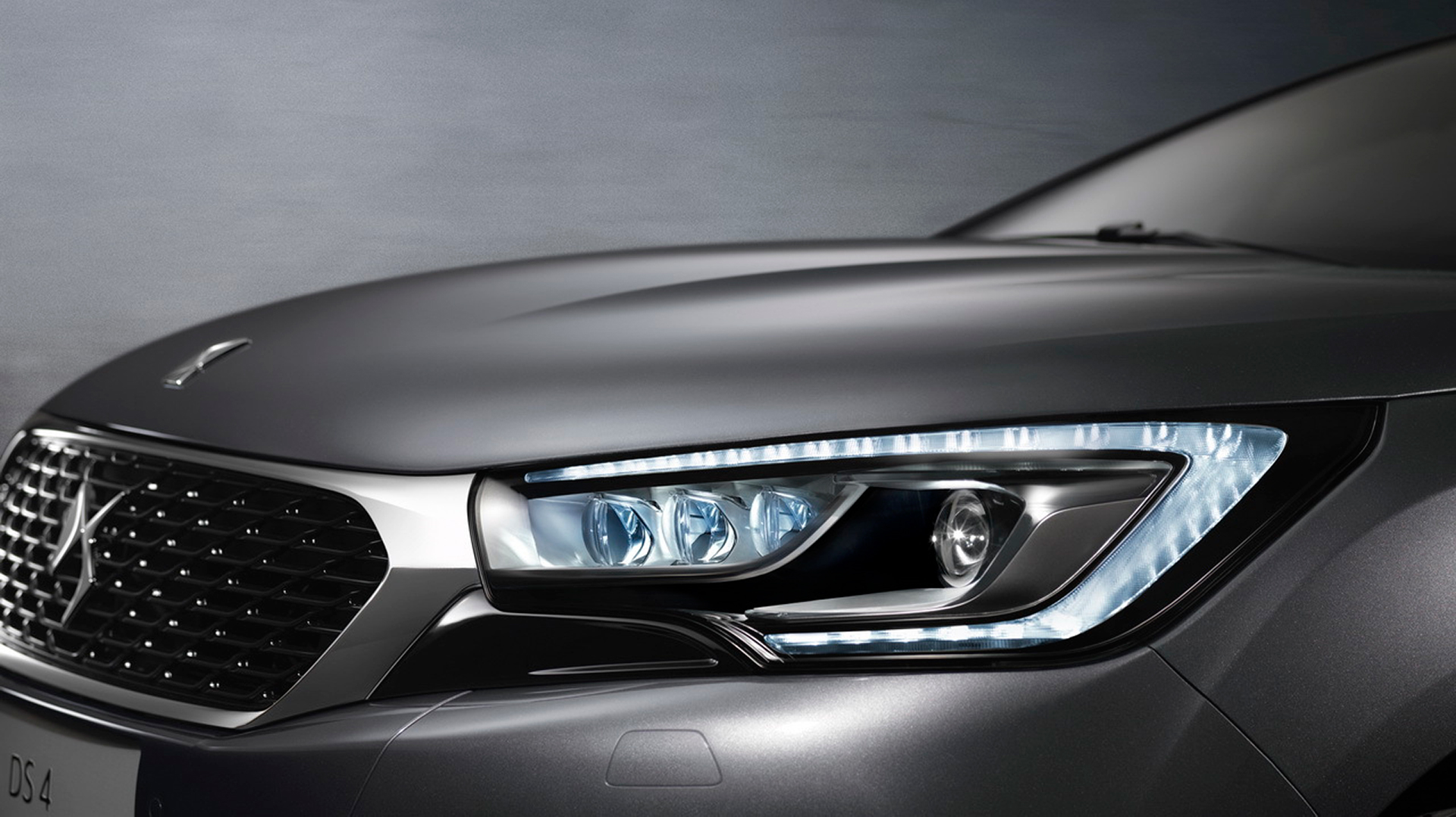 New DS 4 - DS Automobiles - 2015 - optique avant / front LED