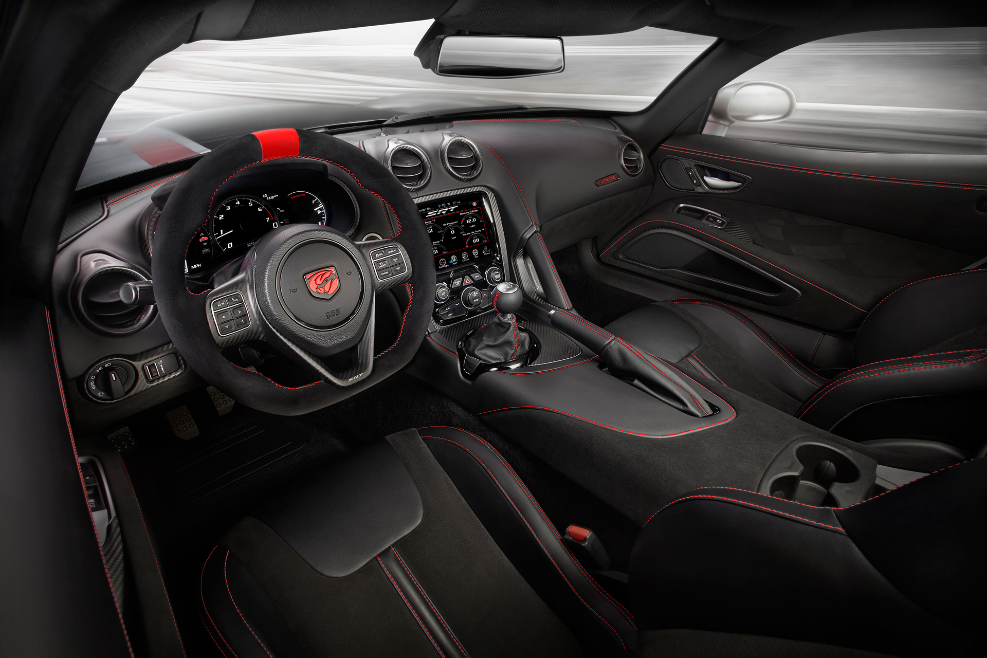 2016 Dodge Viper ACR - inside with racing whell / intérieur avec volant