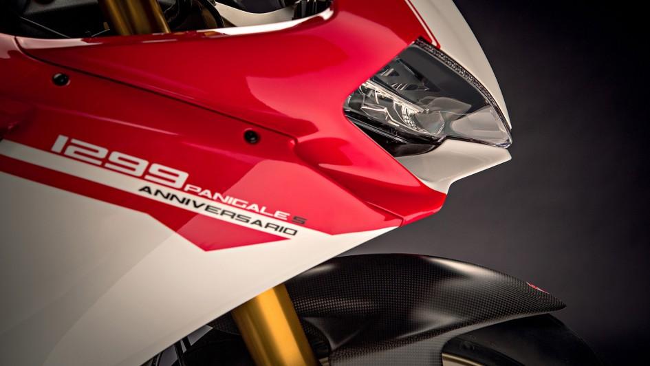 Ducati 1299 Panigale S Anniversario - front light