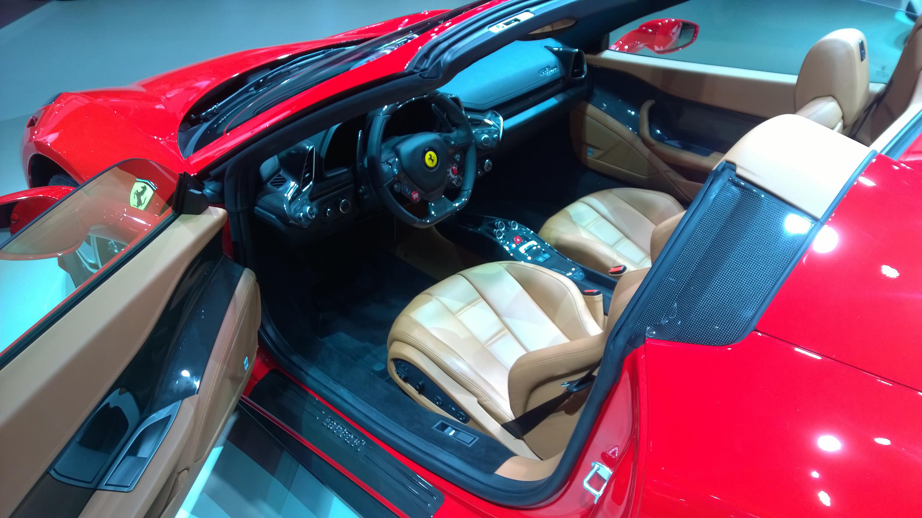 Ferrari 458 Italia Spider - Paris 2014 - DESIGNMOTEUR