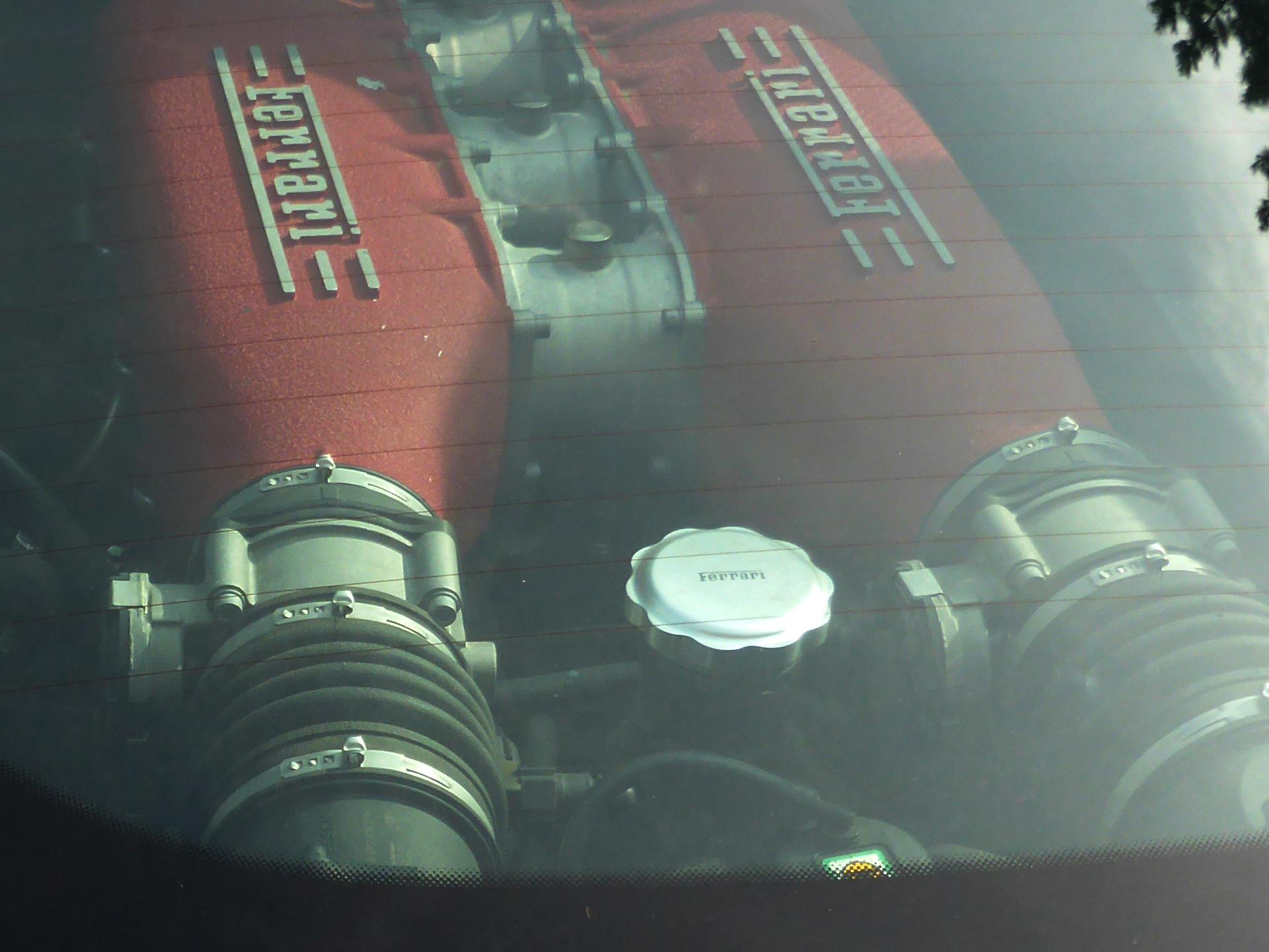 Ferrari 458 Italia - moteur - Lorient 2015 - photo ELJ - DESIGNMOTEUR