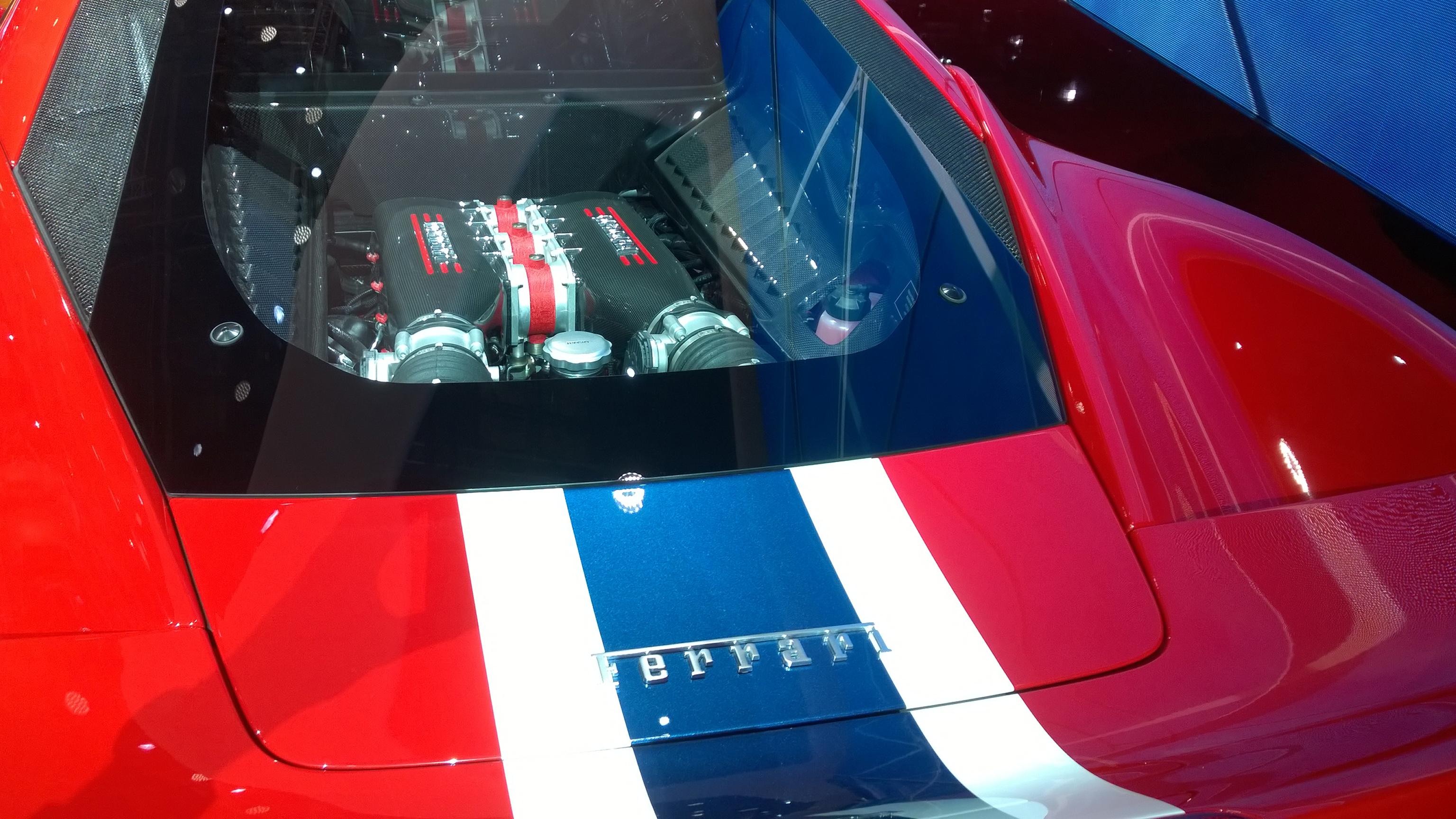 Ferrari 458 Speciale - moteur - jante - Paris 2014 - DESIGNMOTEUR