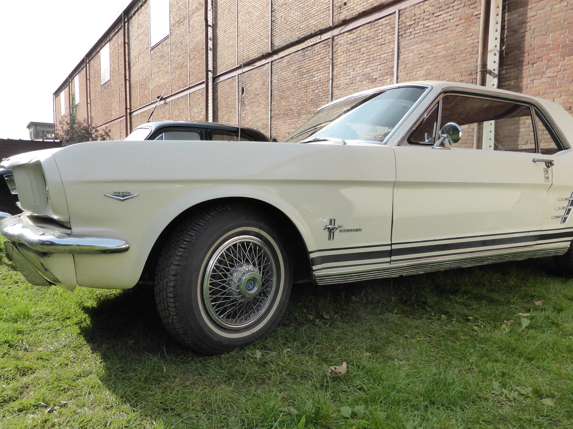 Mustang 1960s Coupe - Lorient 2015 - photo ELJ - DESIGNMOTEUR