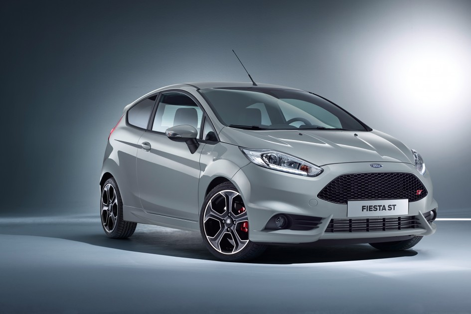 Ford Fiesta ST200 - profil avant / front side-face