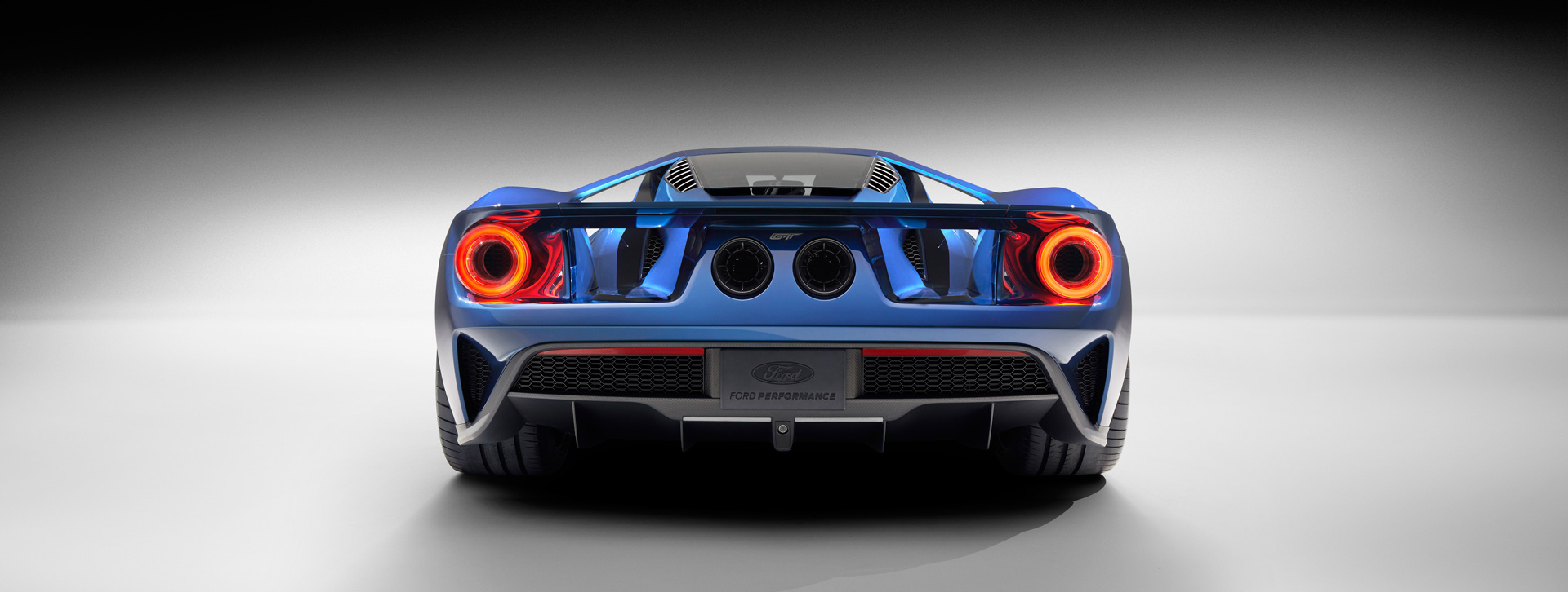 2016 All-New Ford GT - face arrière - Ford