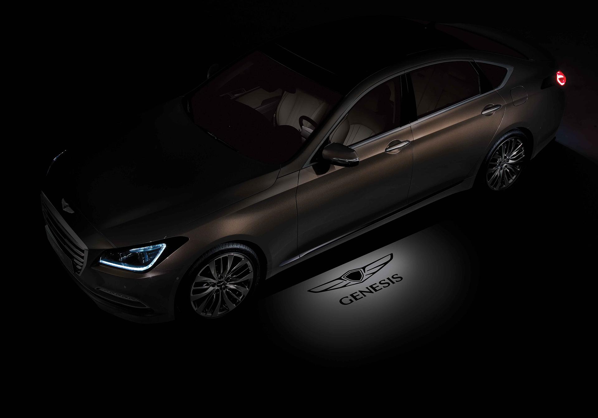 Genesis G90 - 2016 - light