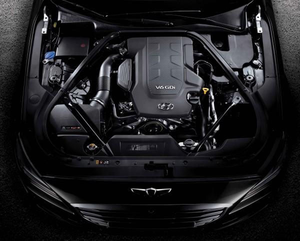 Genesis G90 - 2016 - under the hood / sous le capot