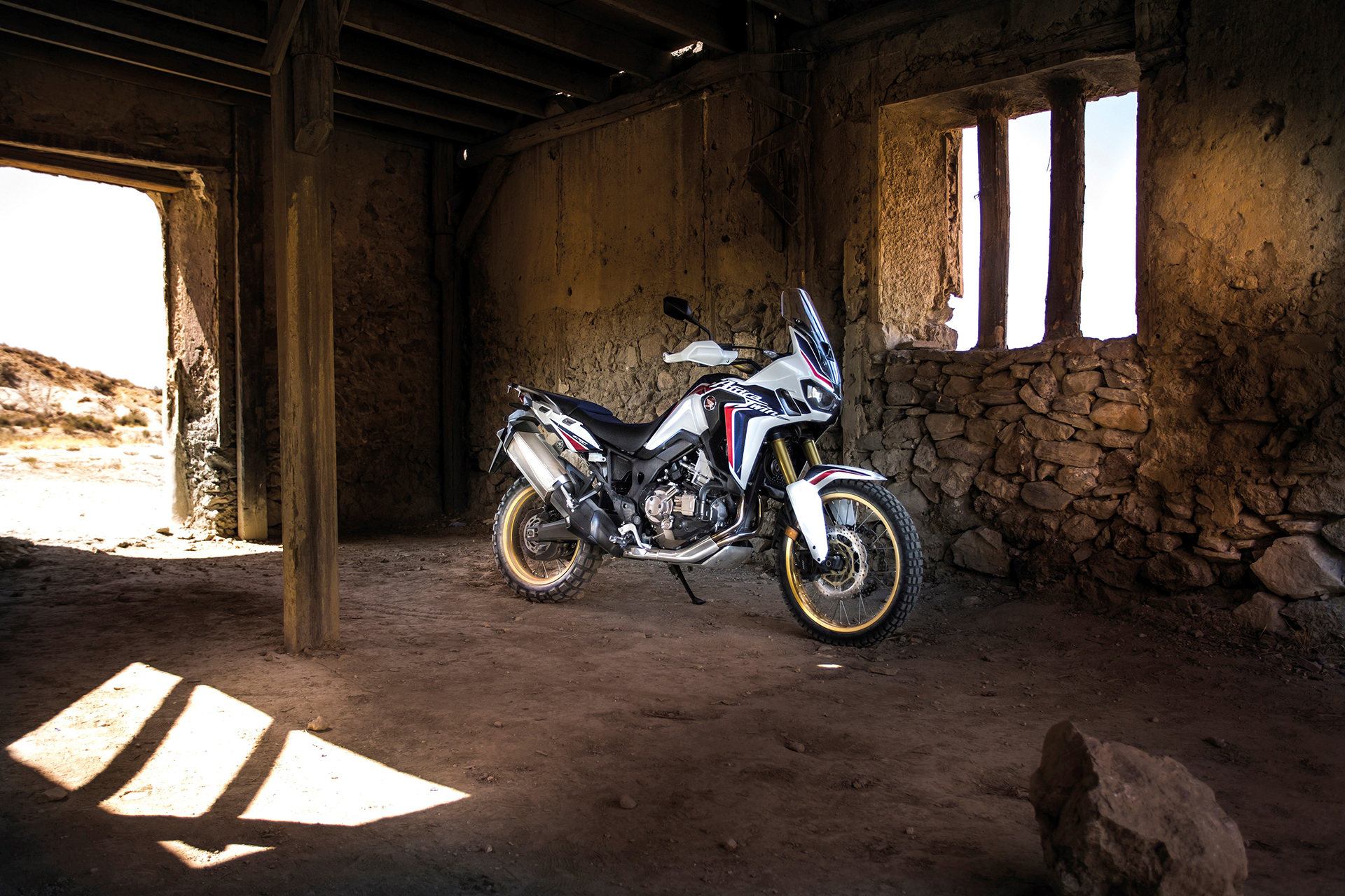 Honda CRF1000L Africa Twin - 2016 - photo