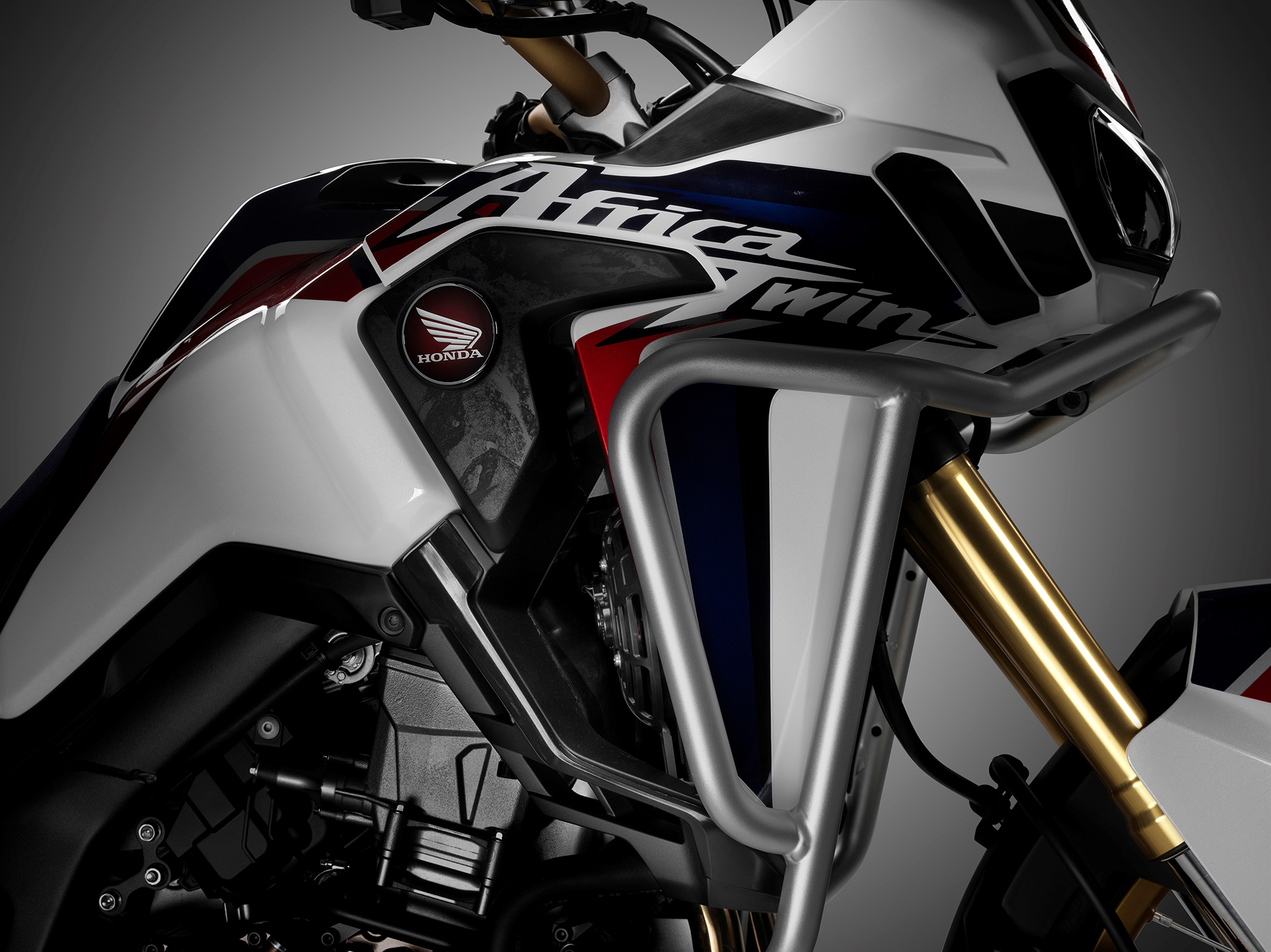 Honda CRF1000L Africa Twin - 2016 - cover