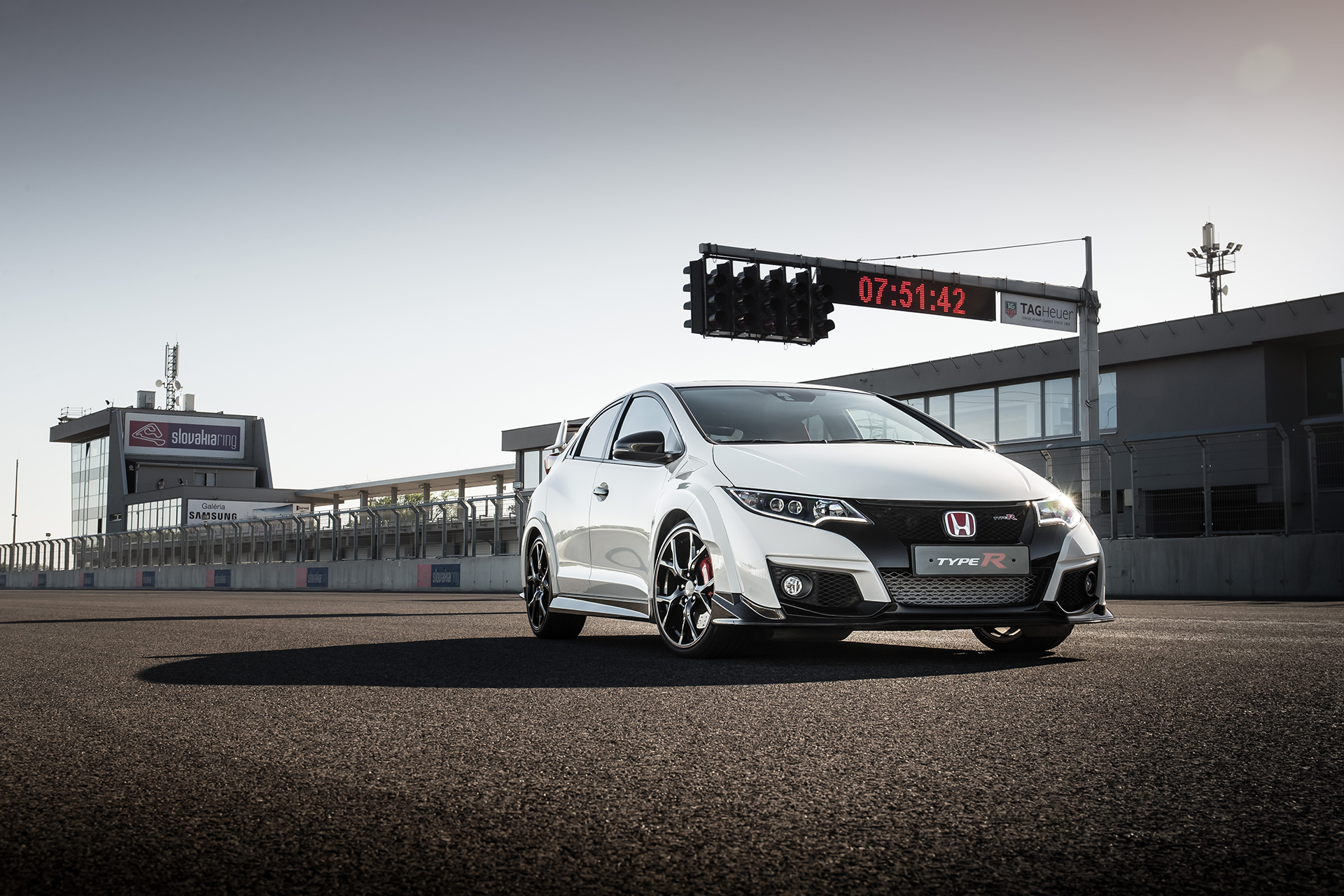 Honda Civic Type R - 2015 - front side-face / profil avant - track / circuit