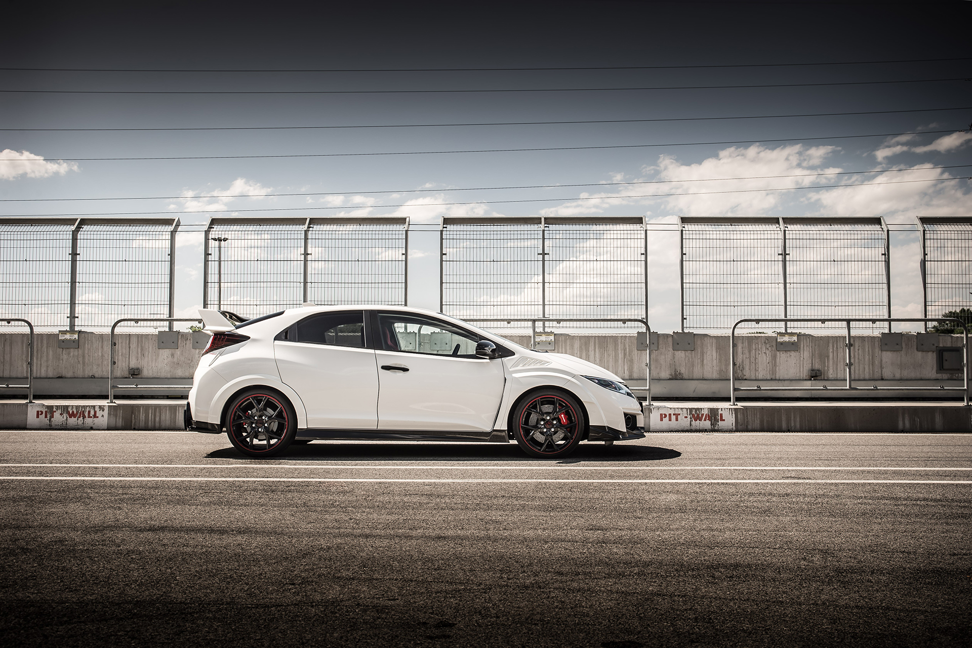 Honda Civic Type R - 2015 - side-face / profil - track / circuit