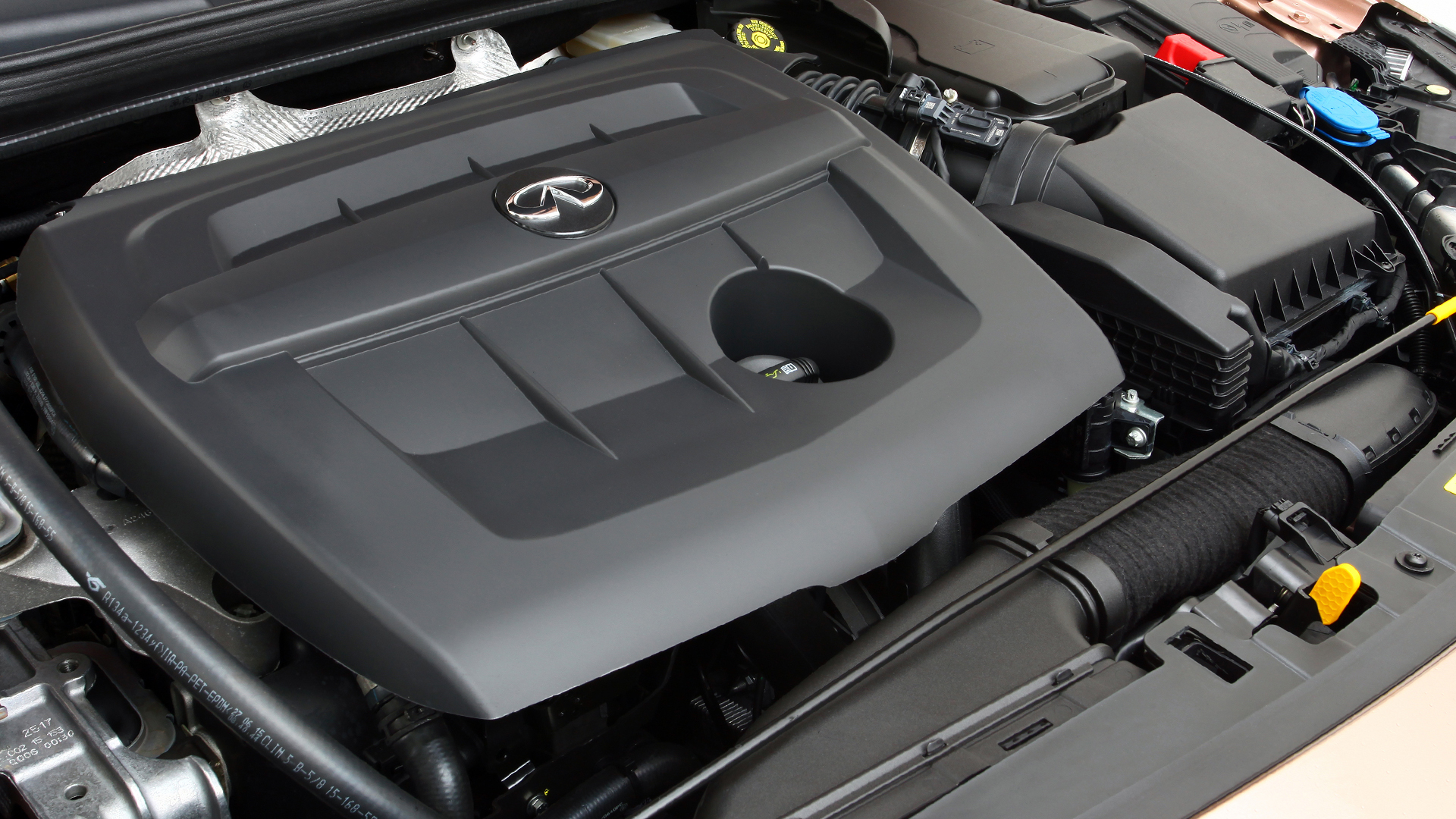 Infiniti Q30 - 2016 - 1.5d engine under the hood / capot moteur - diesel