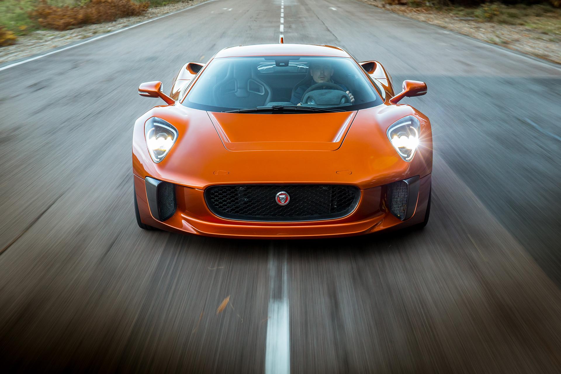 jaguar c x75 concept super car star du film 007 spectre. Black Bedroom Furniture Sets. Home Design Ideas