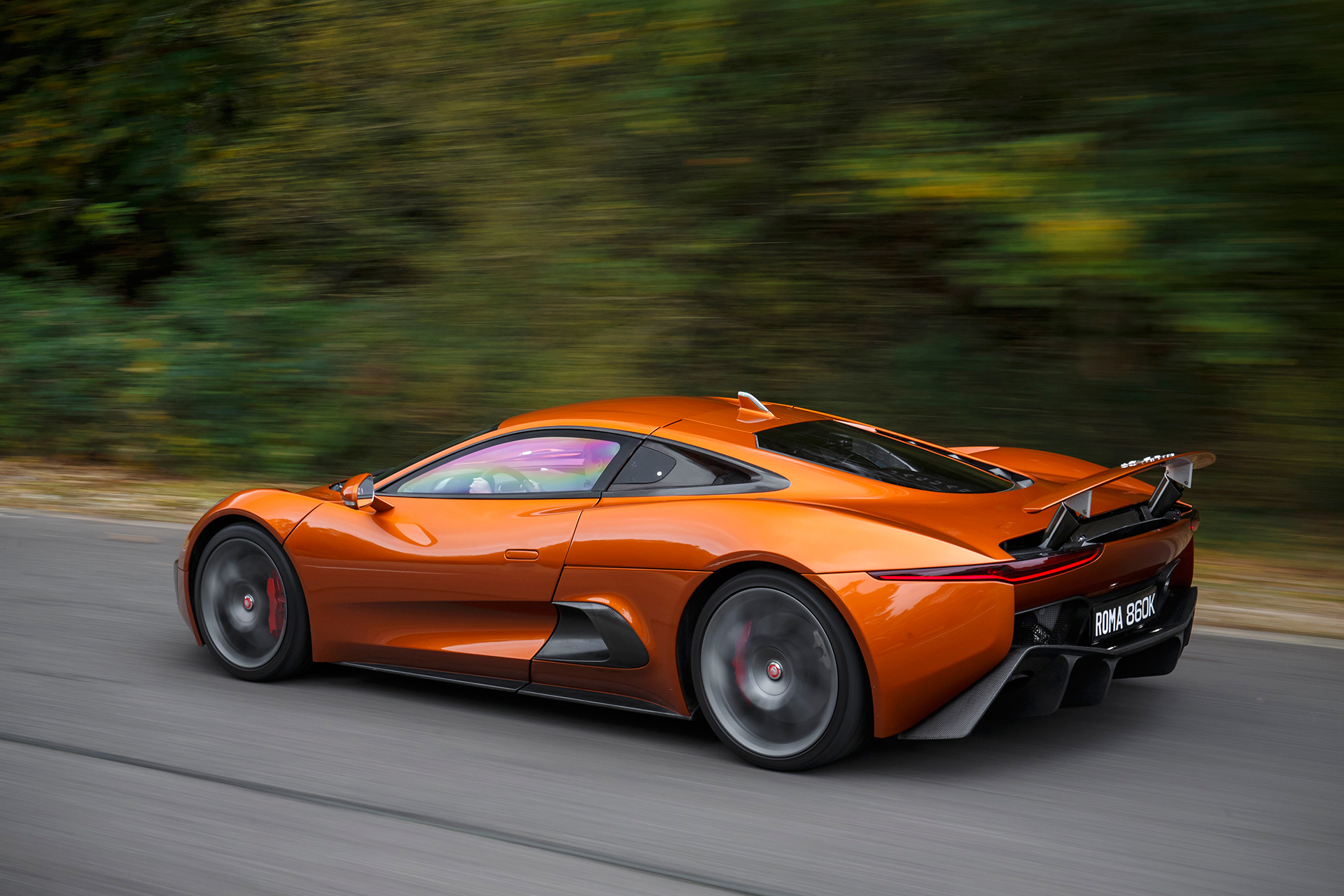 Jaguar C-X75 - Spectre - 2015 - profil arrière / rear side-face - route / road