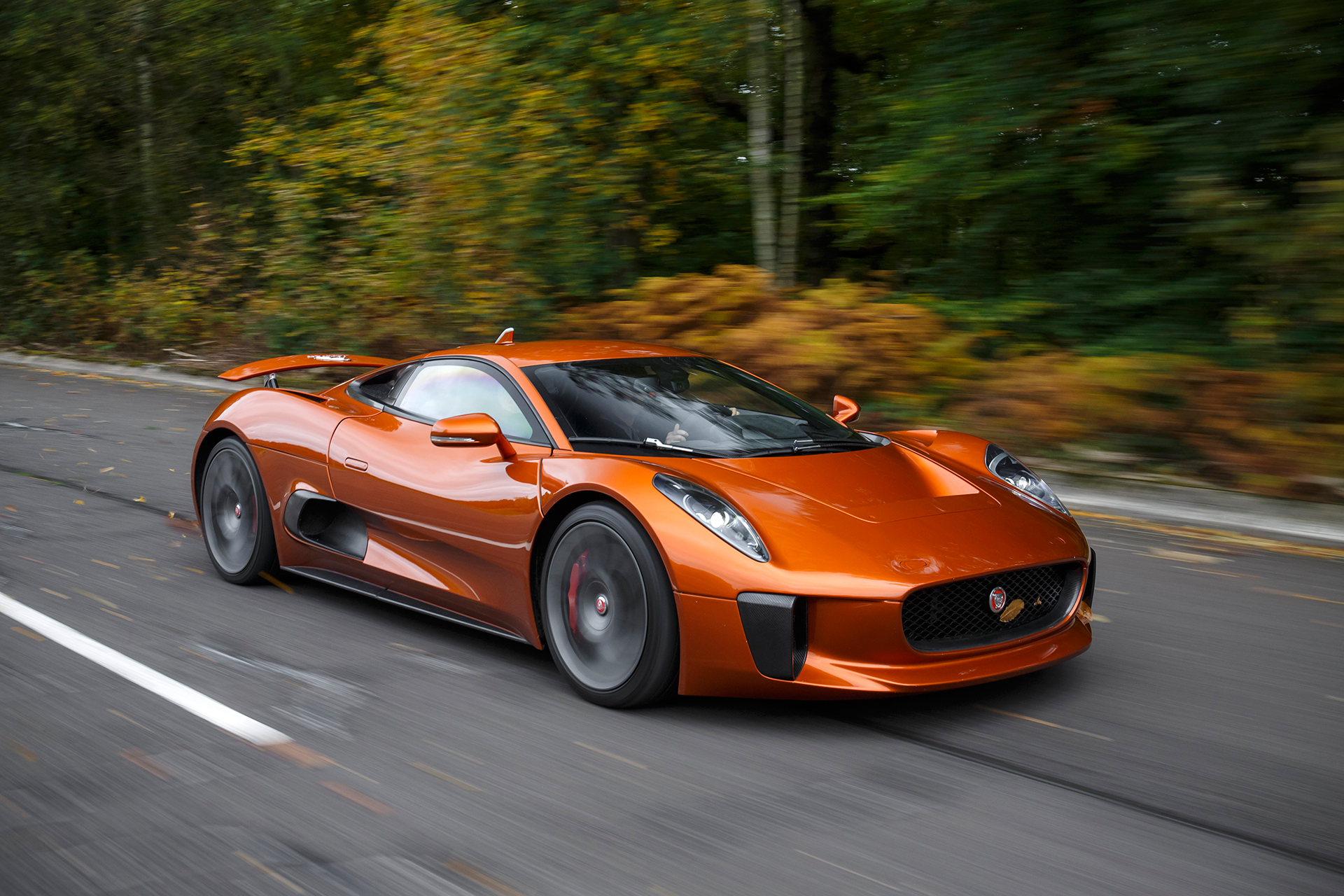 Jaguar C-X75 - Spectre - 2015 - profil avant / front side-face - route / road
