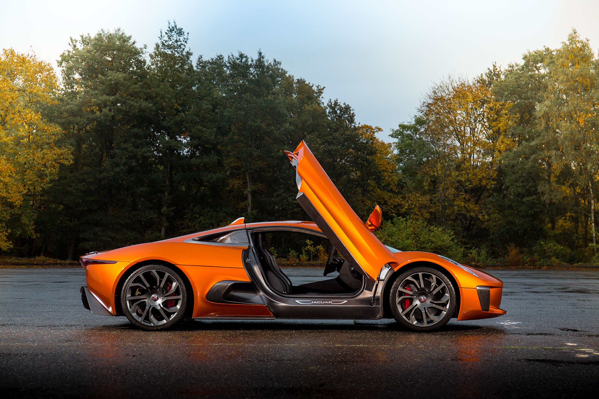 Jaguar C-X75 - Spectre - 2015 - profil / side-face - portes ouvertes / open doors