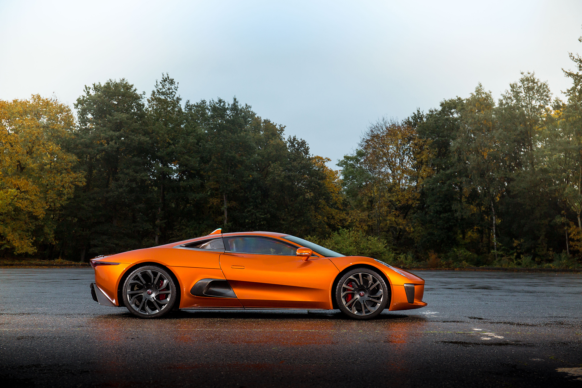 Jaguar C-X75 - Spectre - 2015 - profil / side-face