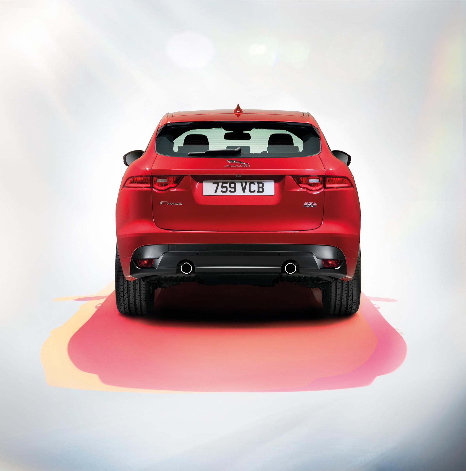 Jaguar F-PACE - rear / arrière