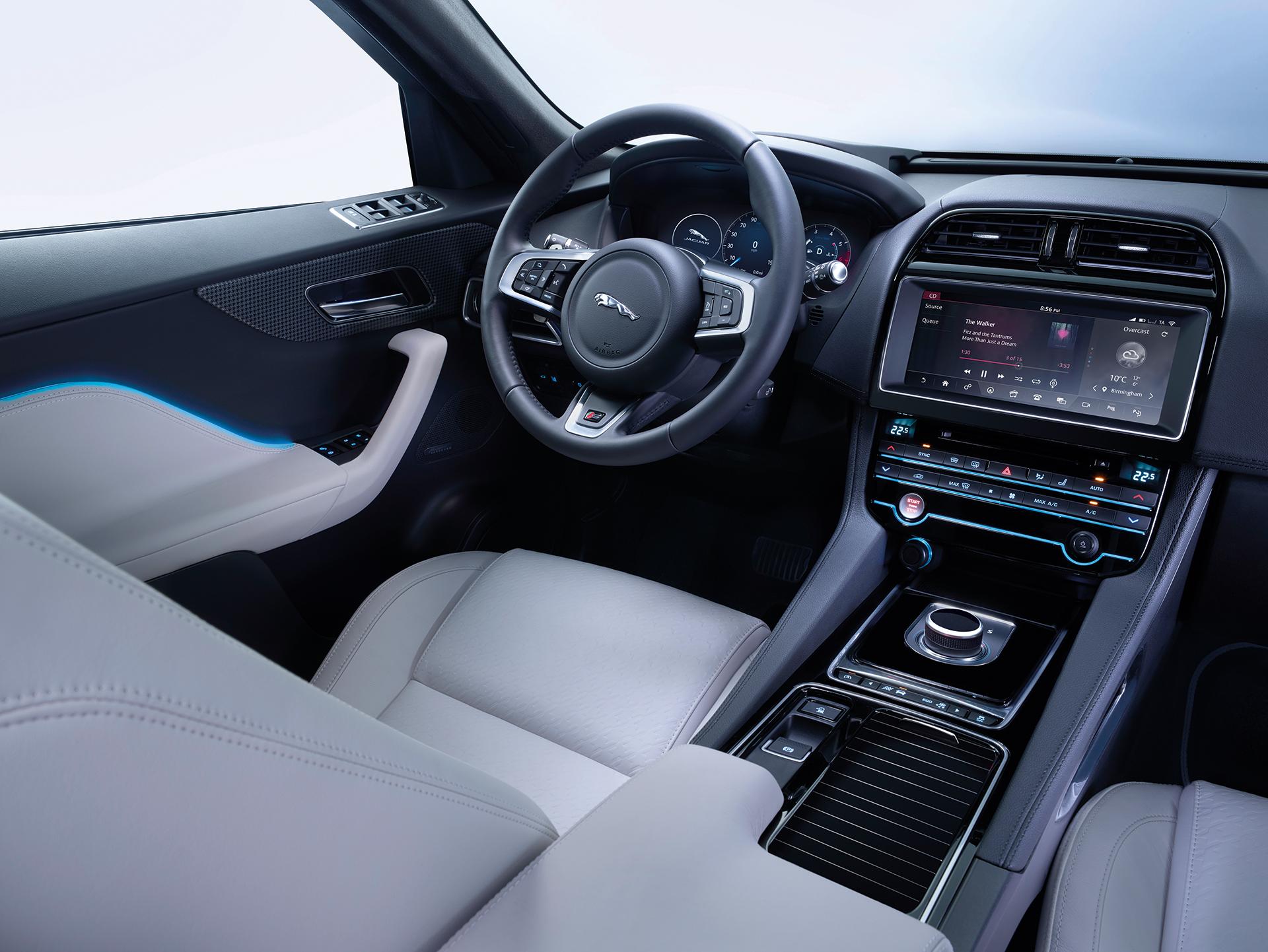 Jaguar FPACE - drive wheel / volant