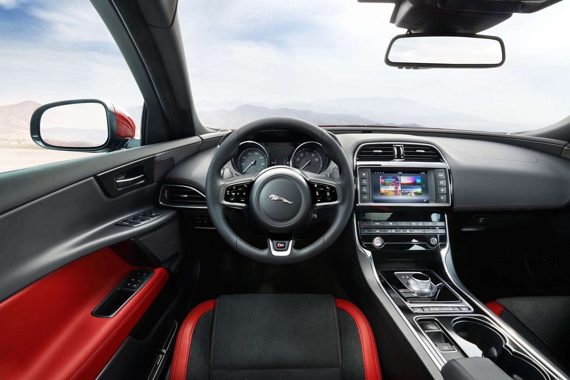 Jaguar XE - intérieur