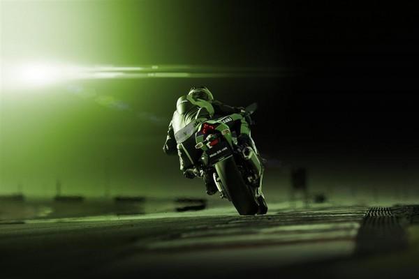 Kawasaki Ninja ZX-10R 2016 - rear / arrière - sur circuit / on track