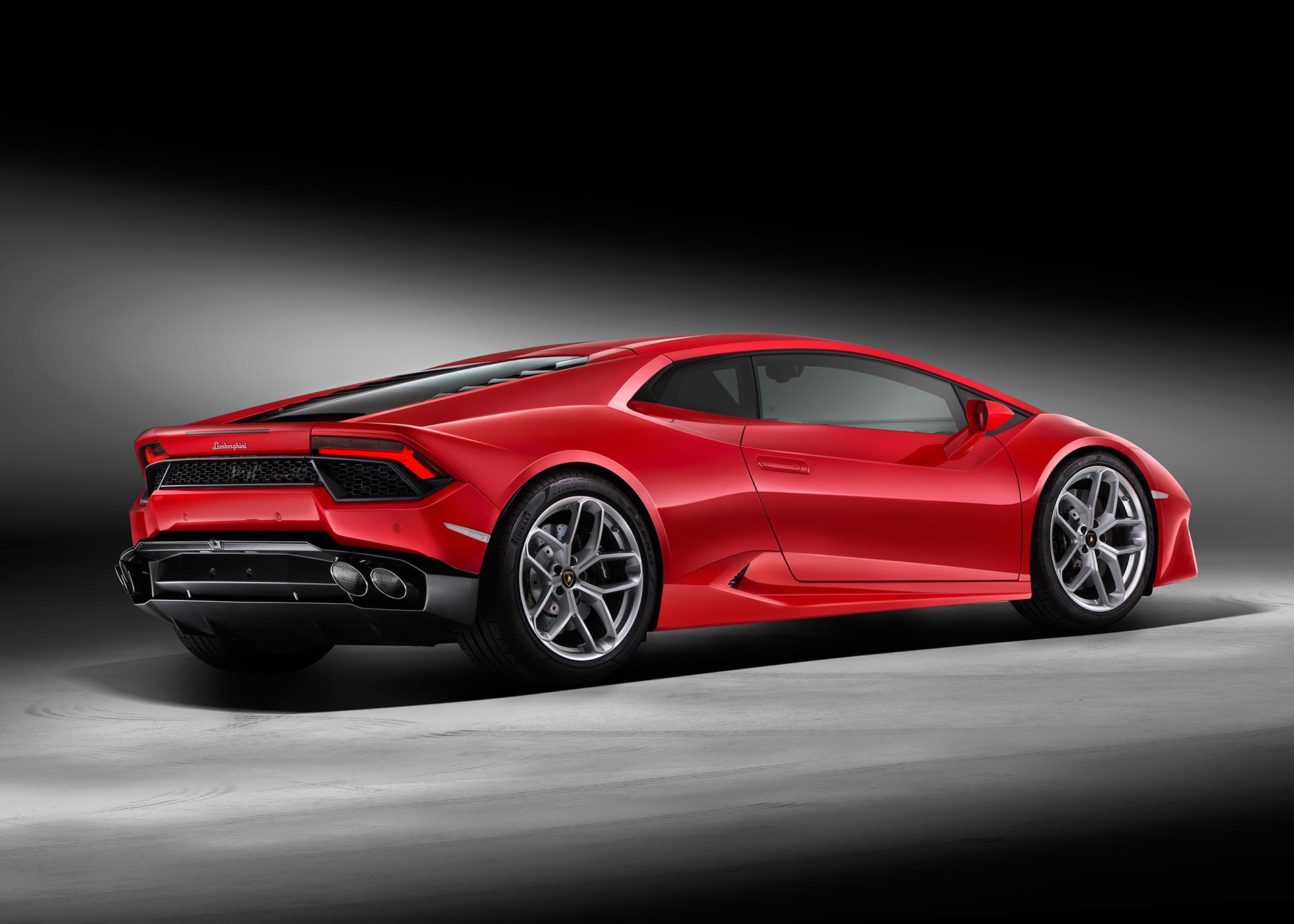 Lamborghini Huracán LP 580-2 - profil arrière / rear side-face